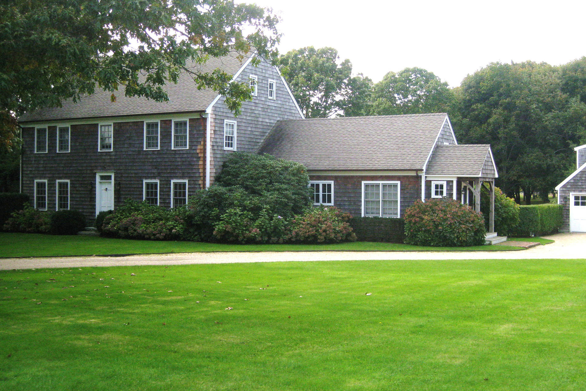 Additional photo for property listing at Southampton Gem  Southampton, Nueva York