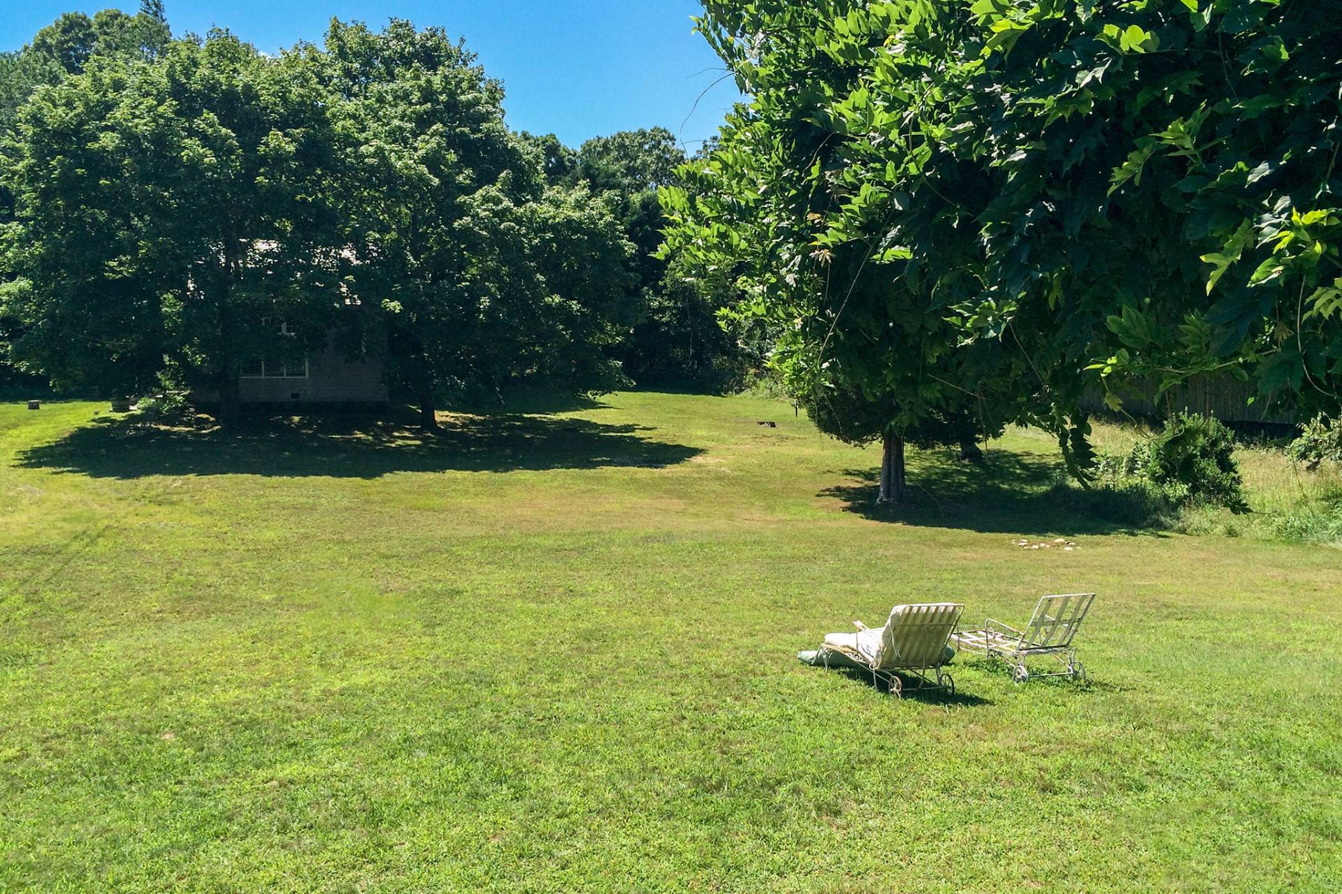 Additional photo for property listing at East Hampton, Bucolic Springs - A Stones Throw From Louse Point  East Hampton, New York
