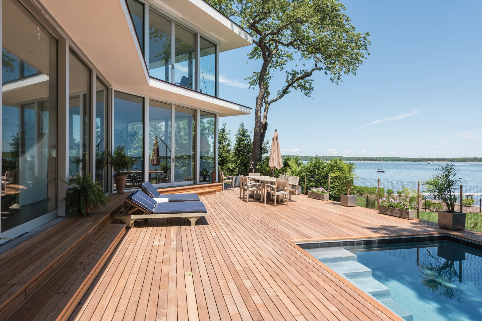 Additional photo for property listing at New Modern On The Water  Sag Harbor, Nueva York