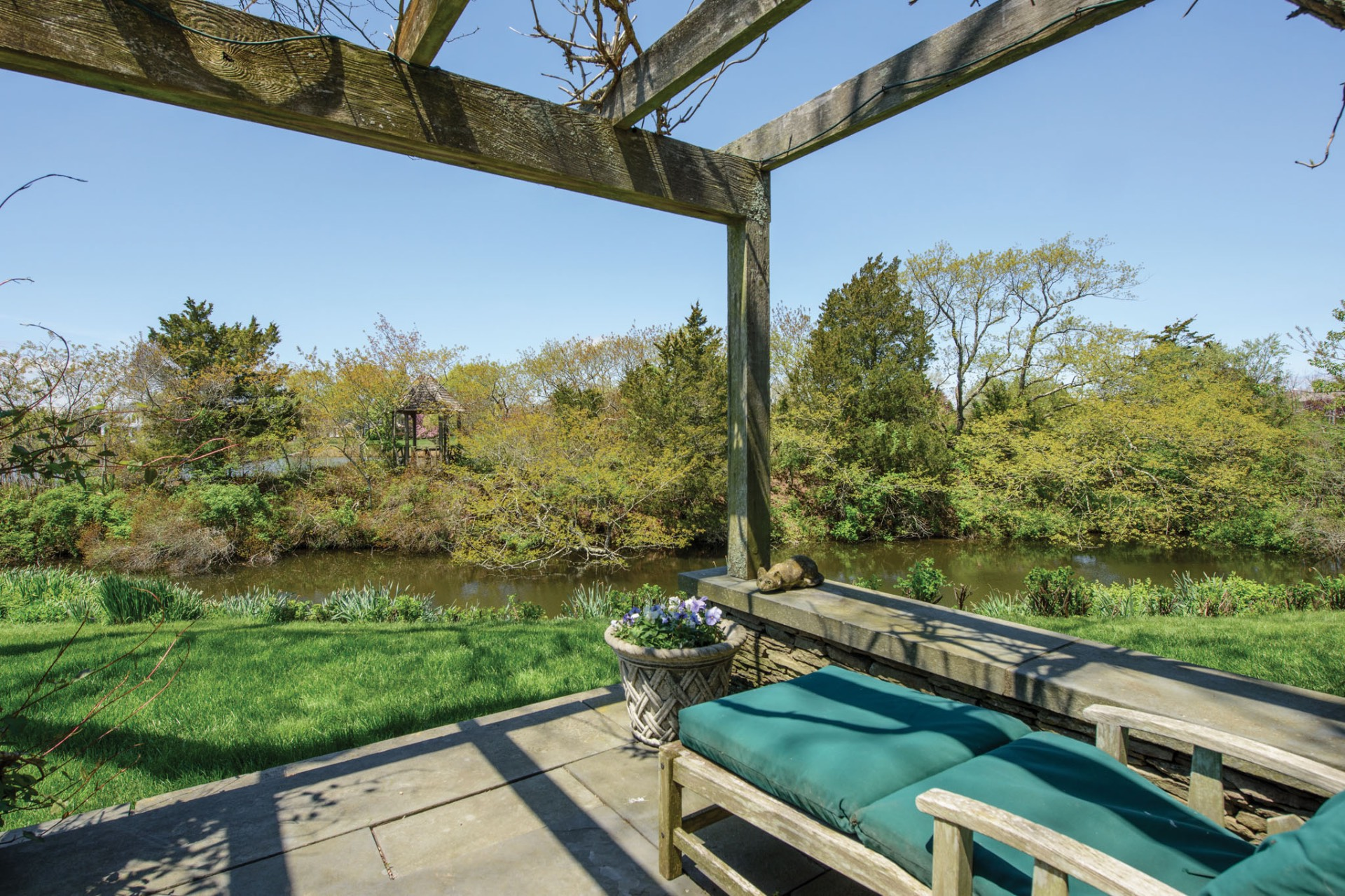 Additional photo for property listing at On Mecox Bay  Water Mill, Nueva York