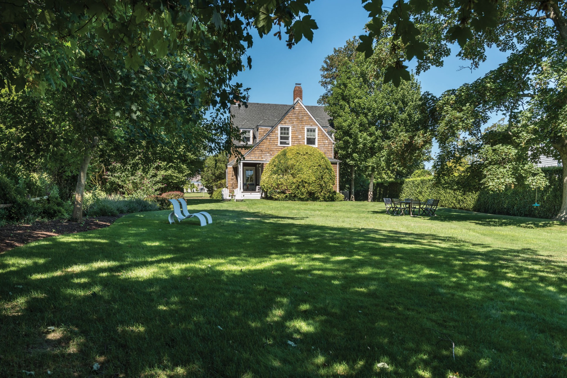 Additional photo for property listing at Village Charmer  Bridgehampton, Nueva York
