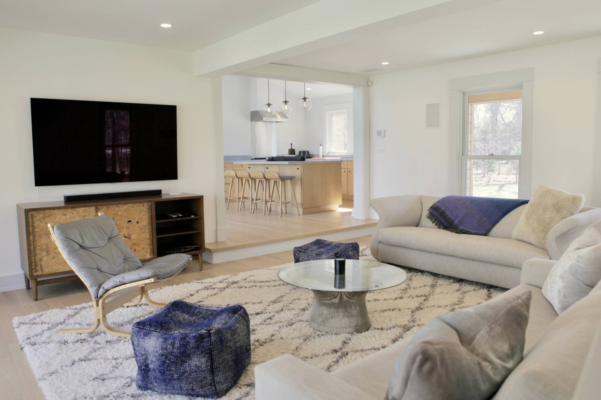Additional photo for property listing at Chic And Spacious In East Hampton  East Hampton, New York