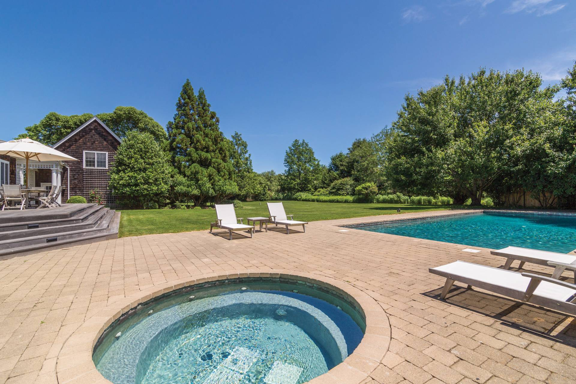 Additional photo for property listing at Chic Traditional  Bridgehampton, Nueva York