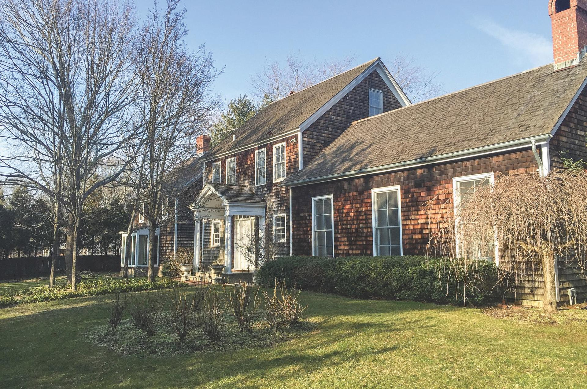 Additional photo for property listing at Historic Sag Harbor  Sag Harbor, New York