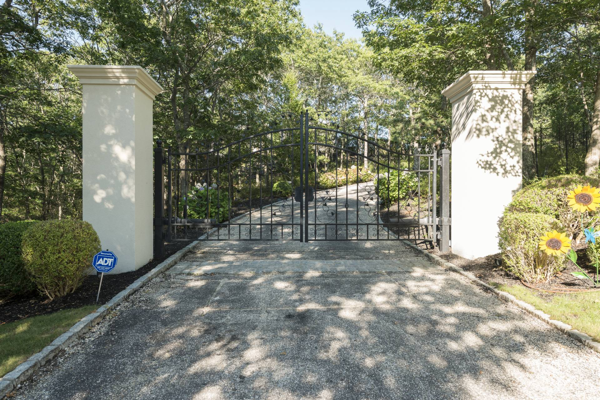 Additional photo for property listing at Palladio House  Water Mill, Nueva York