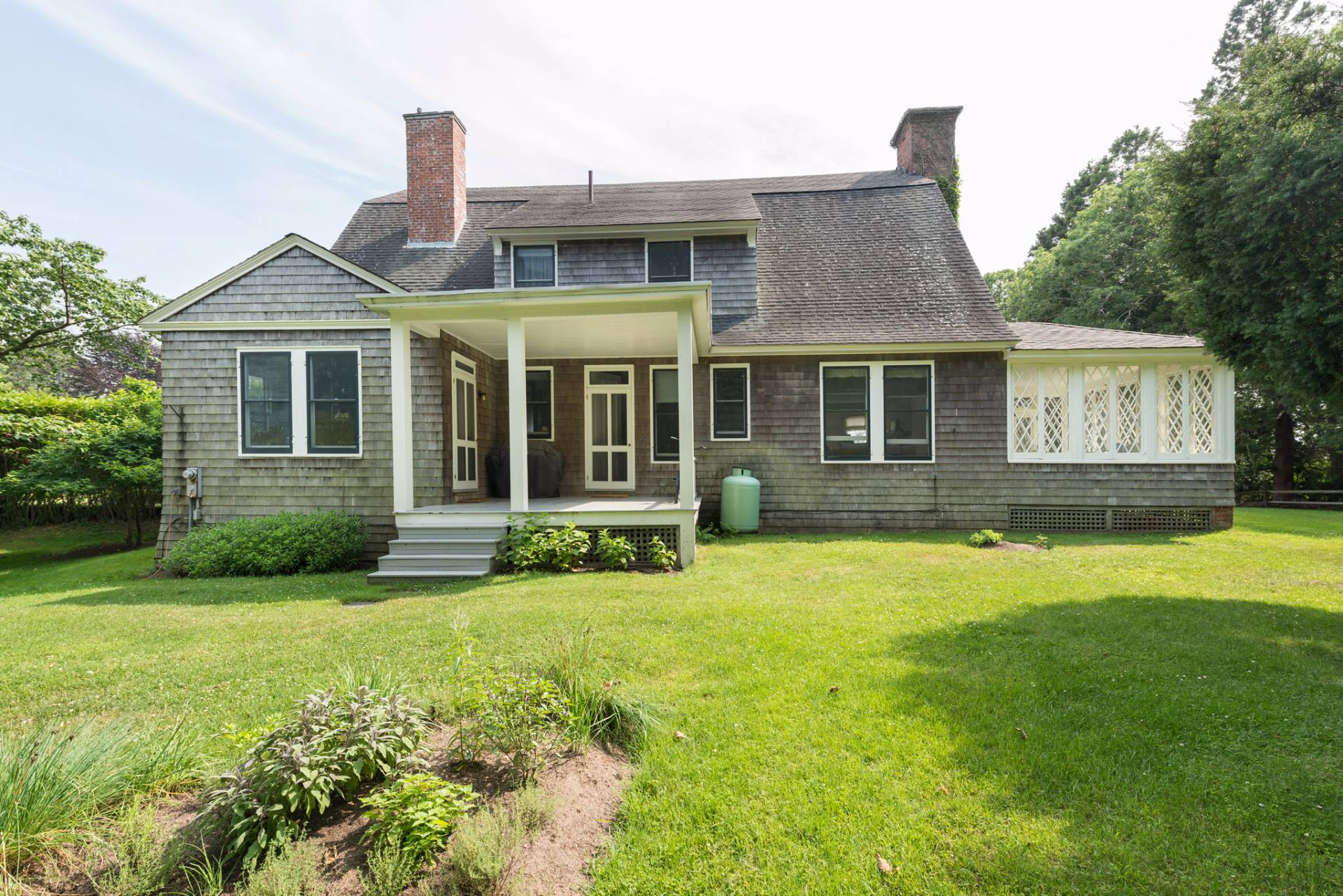 Additional photo for property listing at East Hampton South-Pond Front  East Hampton, New York