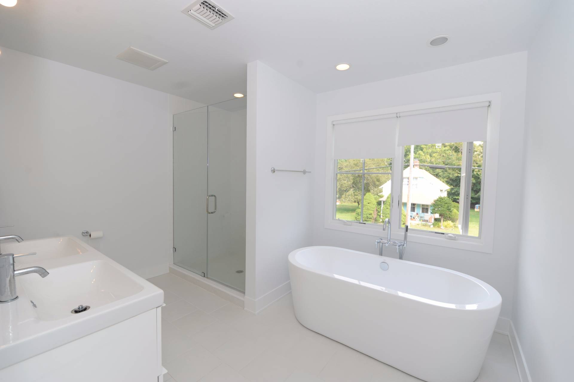 Additional photo for property listing at Sag Harbor - Village Chic  Sag Harbor, New York
