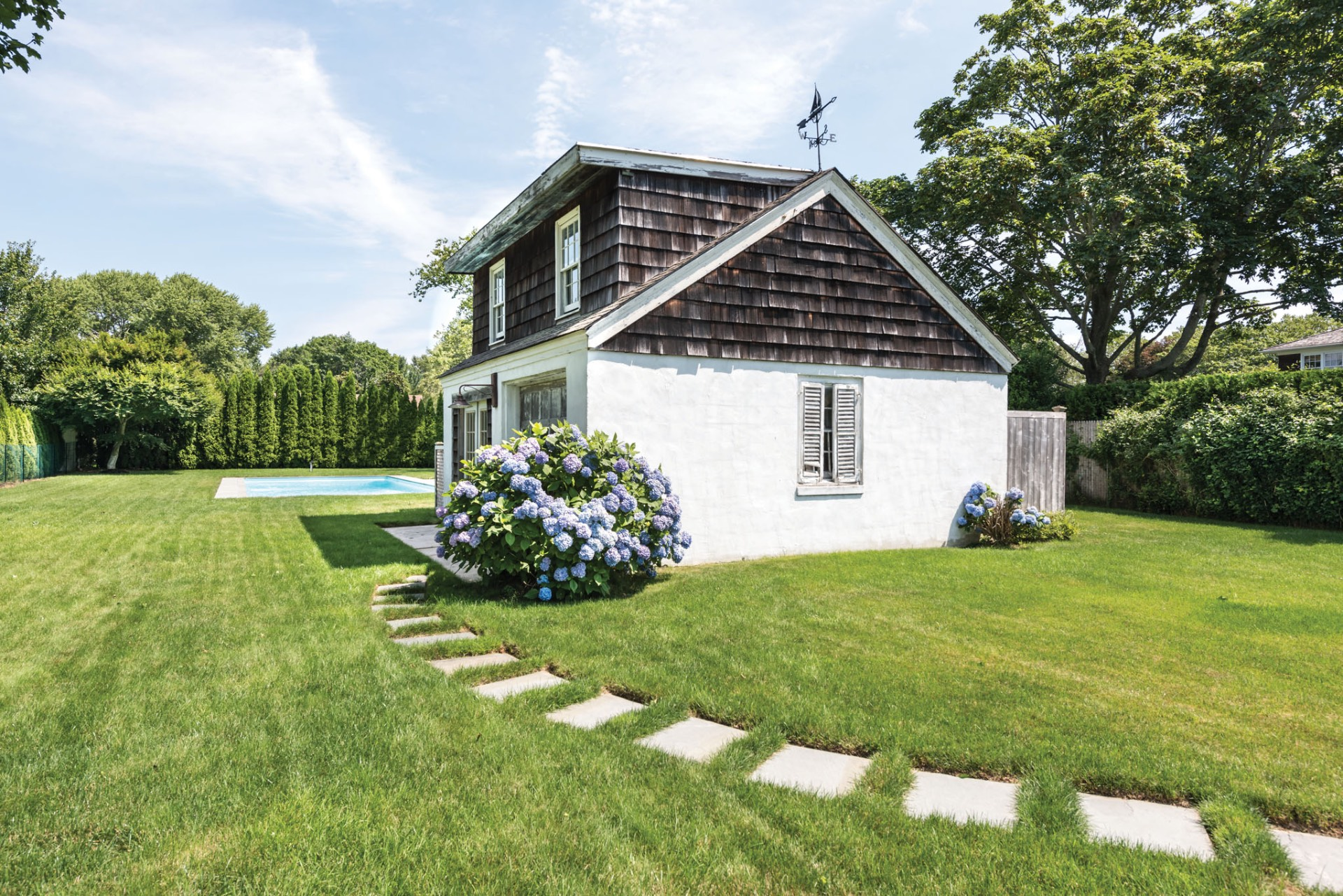 Additional photo for property listing at Charming In The Village  Southampton, New York