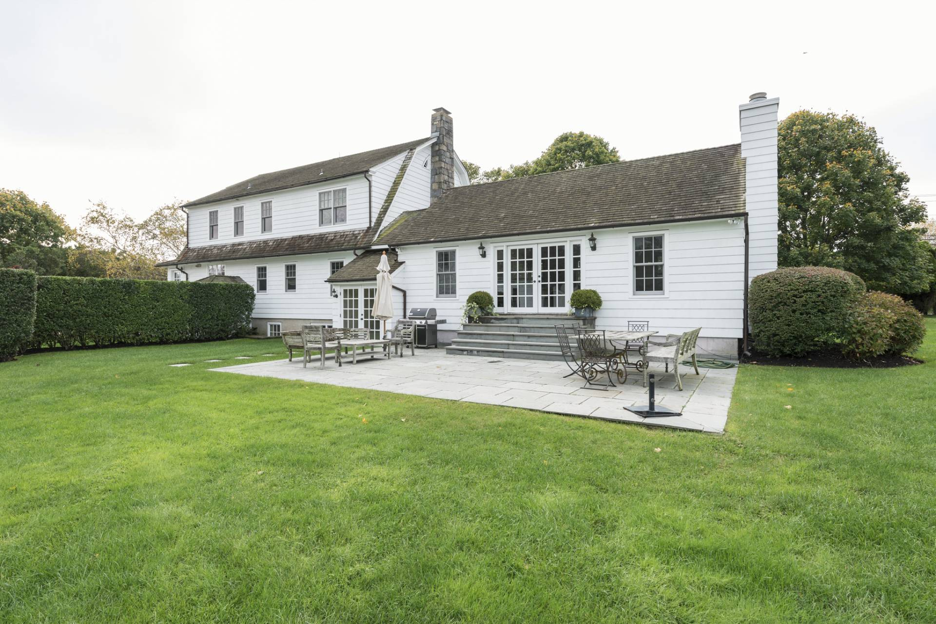 Additional photo for property listing at Beautiful Bridgehampton Traditional  Bridgehampton, New York