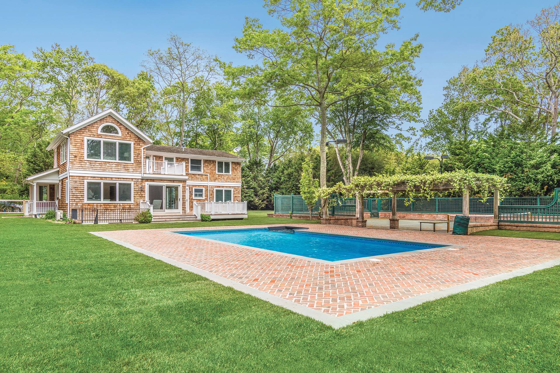Single Family Home for Sale at A Bridgehampton Traditional With Pool And Tennis 2221 Scuttlehole Road, Bridgehampton, New York