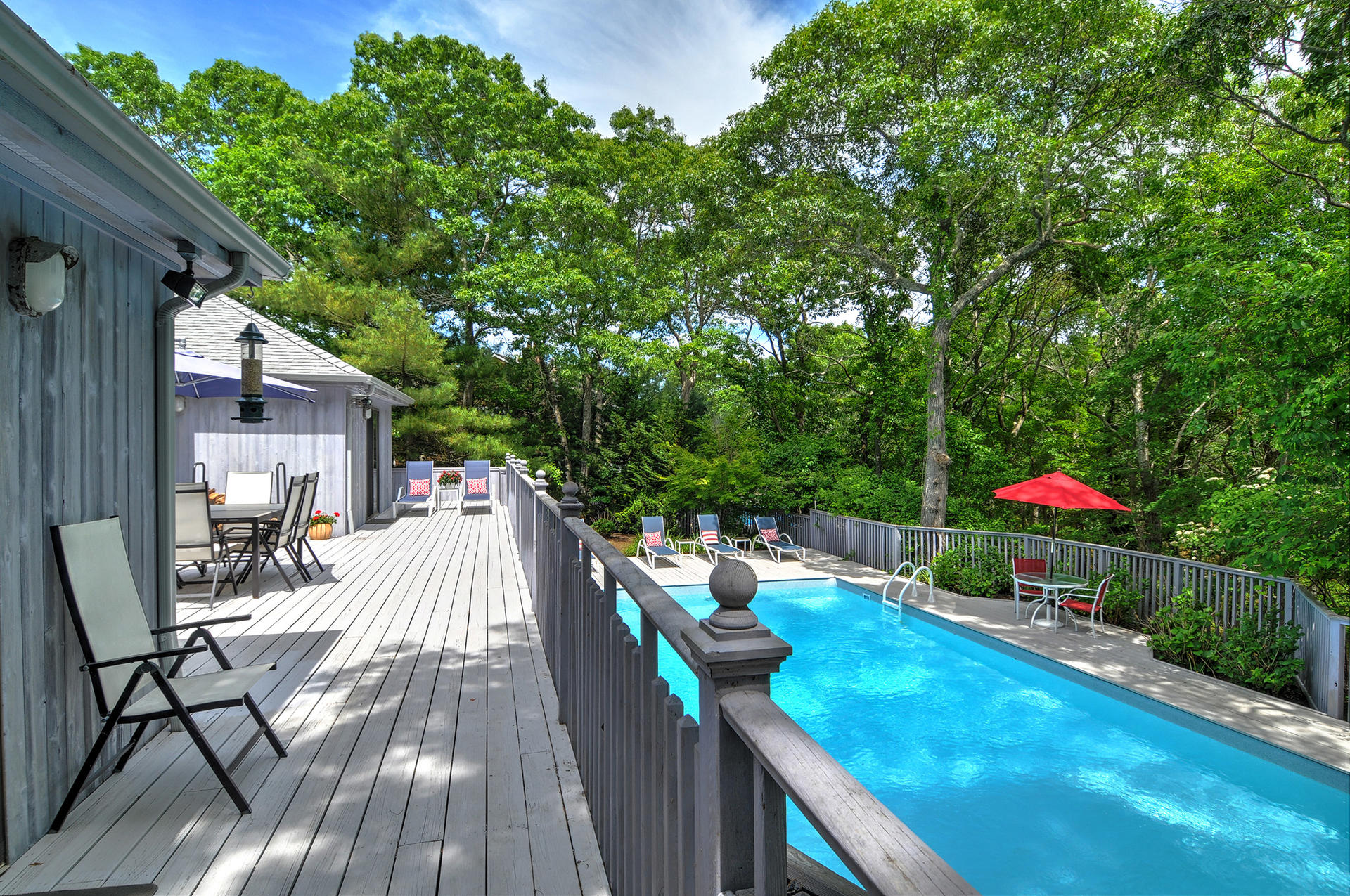 Additional photo for property listing at Completely Renovated In Northwest Woods  East Hampton, Nueva York