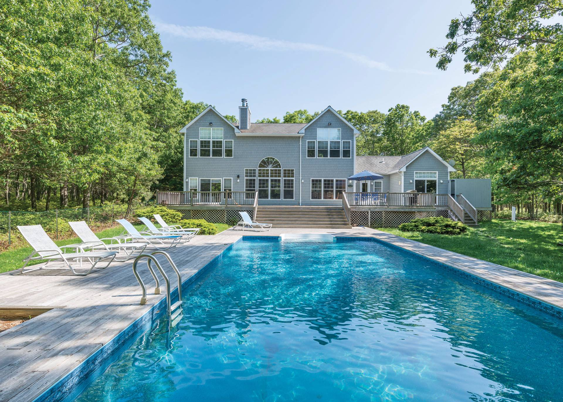 Casa Unifamiliar por un Venta en 5+ Acres With Pool, Tennis, Privacy And So Much More! 528 Wainscott Northwest Road, Wainscott, Nueva York