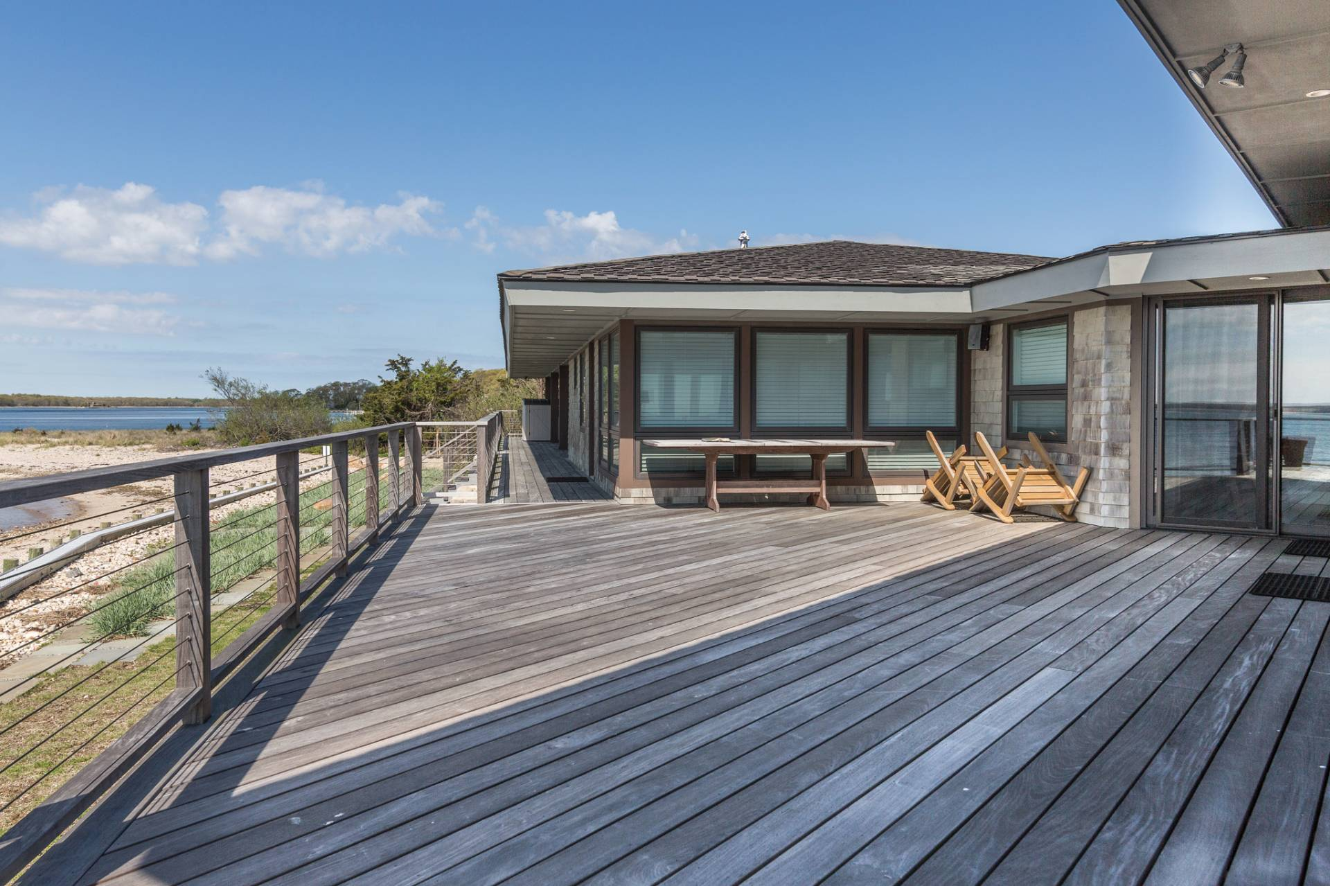 Additional photo for property listing at Shelter Island Mid Century Modern Beach House 6 Club Drive,  Shelter Island, New York