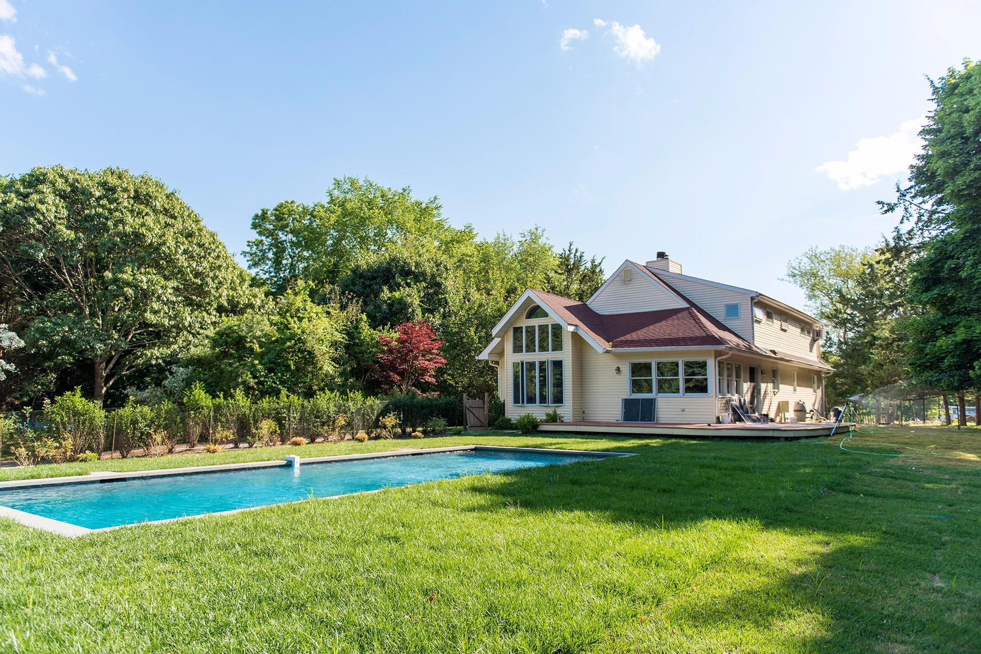 Additional photo for property listing at Shelter Island Post Modern With Pool And Deeded Water Rights  Shelter Island, New York