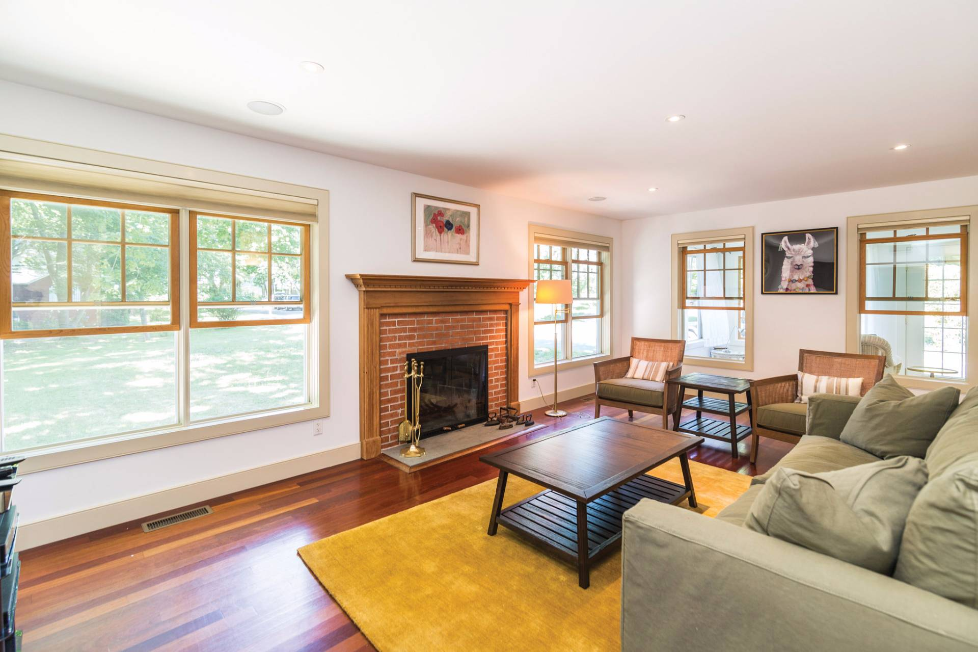 Additional photo for property listing at New Sag Harbor Traditional  Sag Harbor, Nueva York