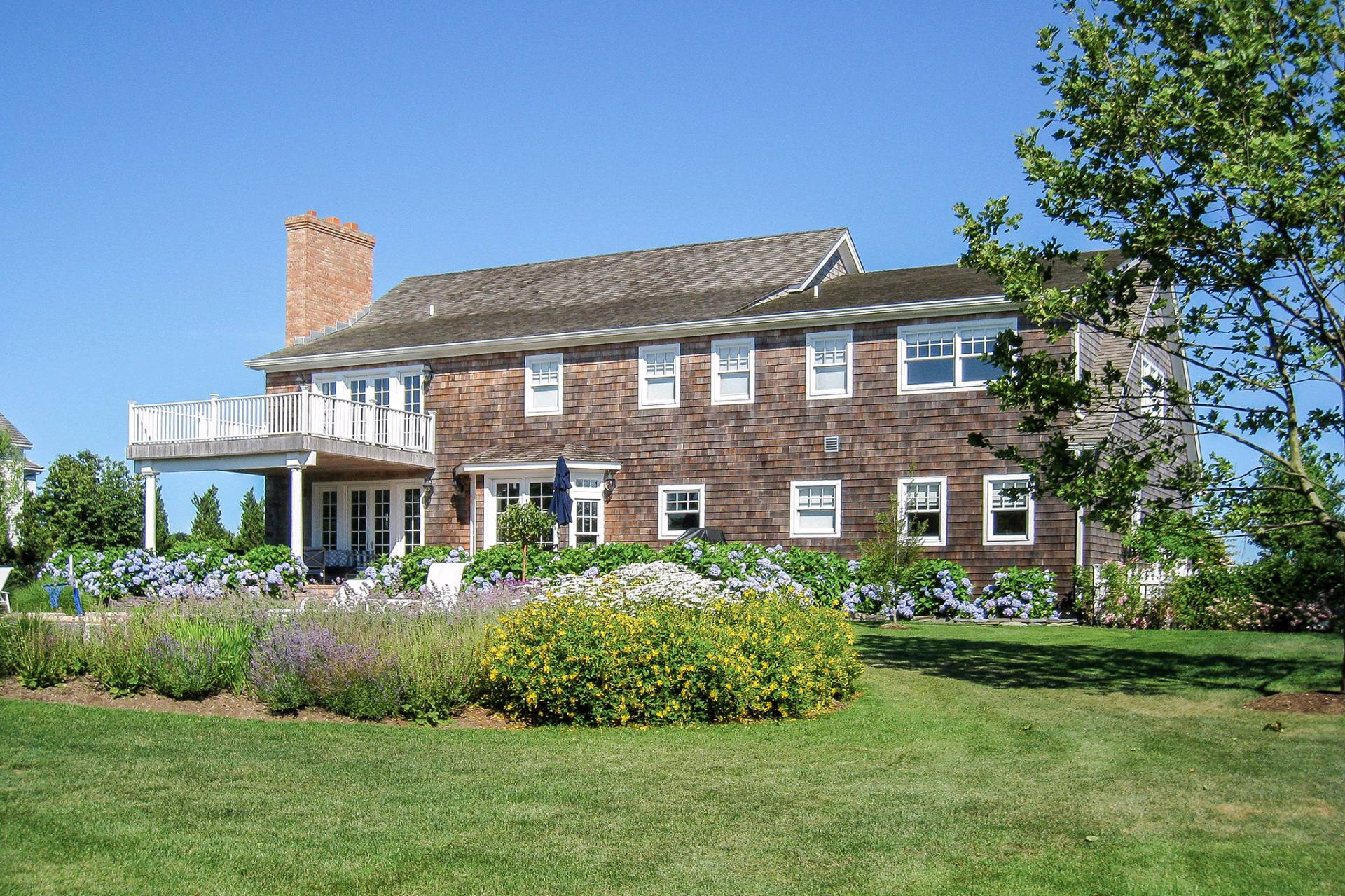 Additional photo for property listing at Lovely Bridgehampton Traditional  汉普顿, 纽约州
