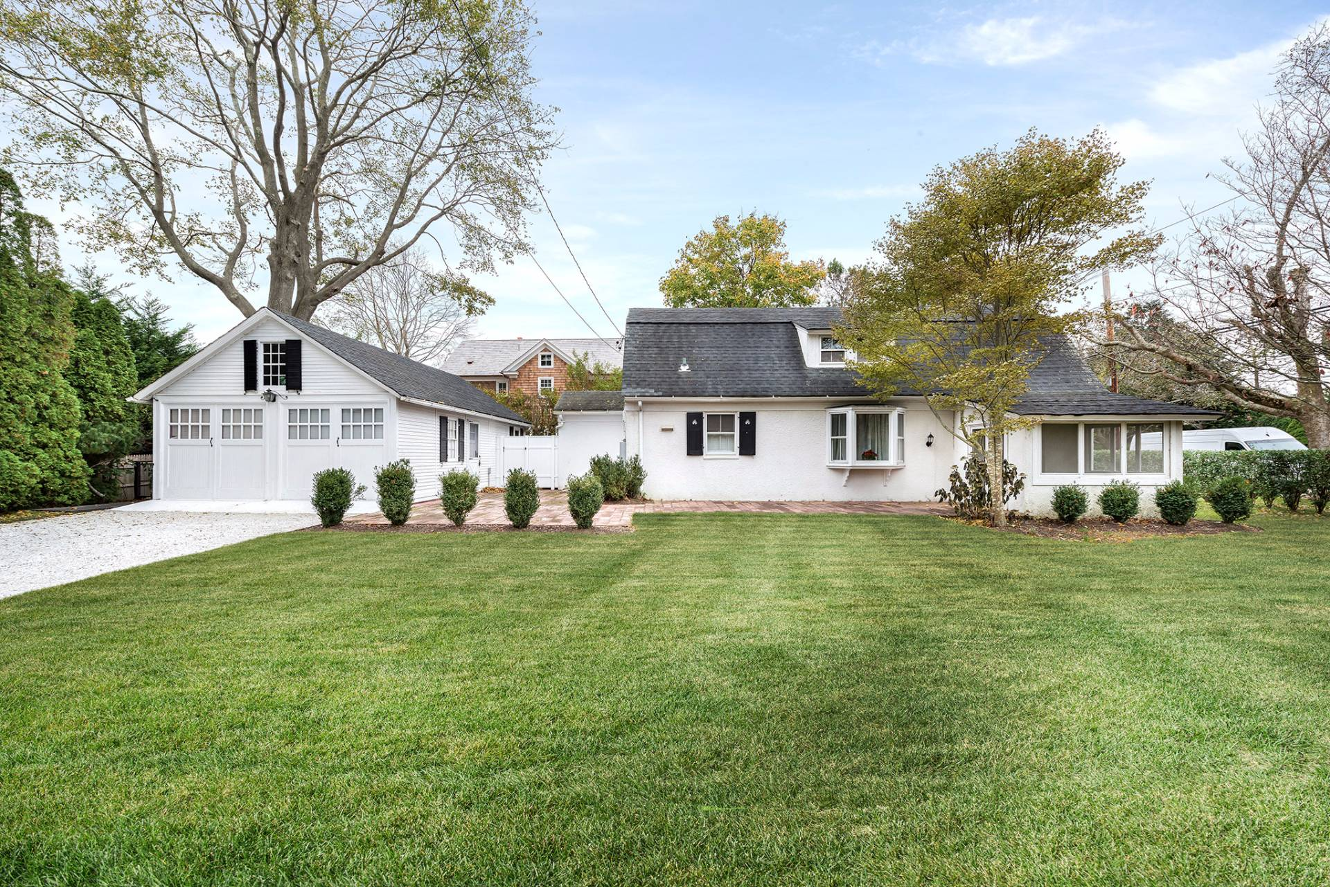 Additional photo for property listing at Southampton Village Traditional  Southampton, New York