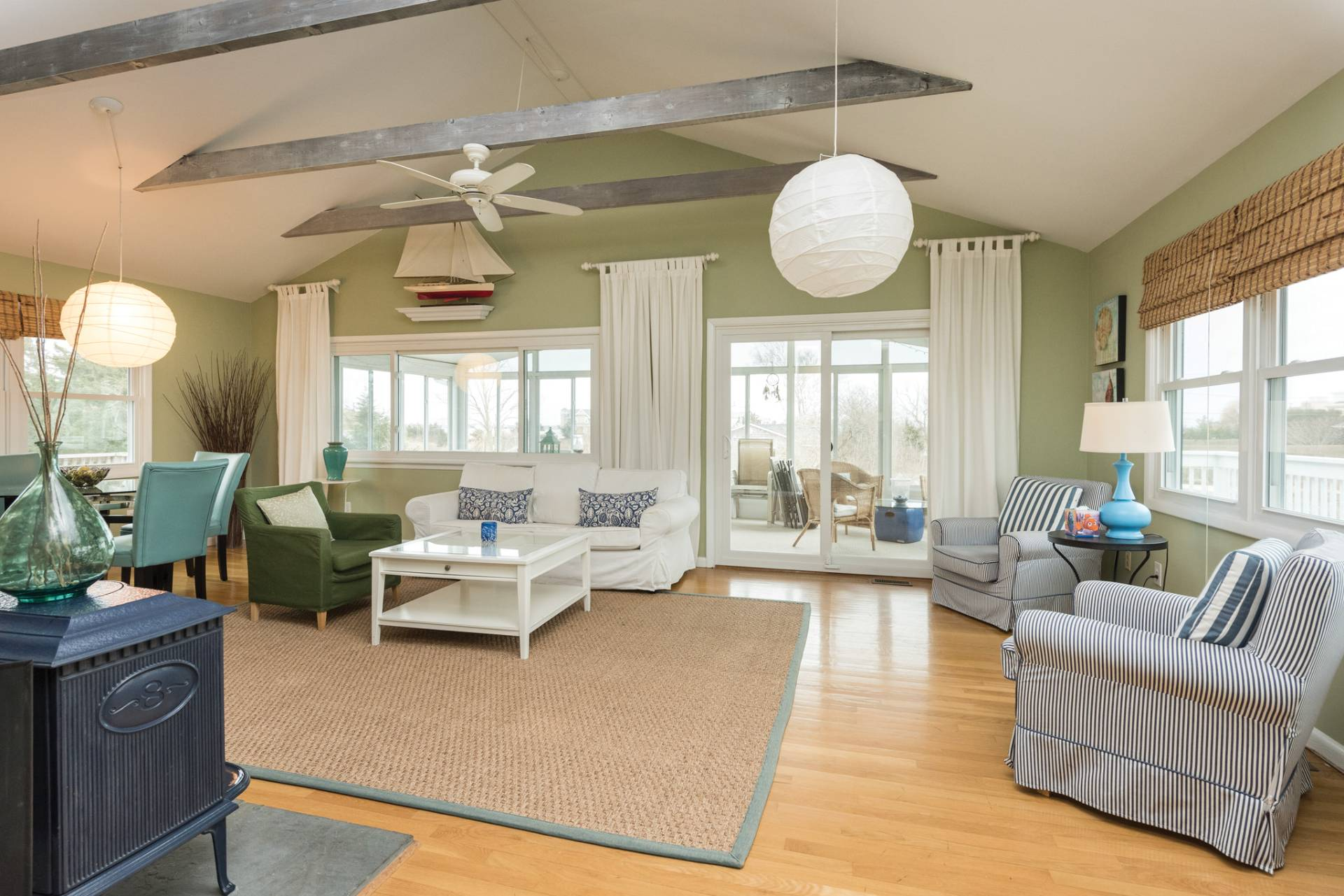 Additional photo for property listing at Beach House With A Pool  Westhampton, Nueva York