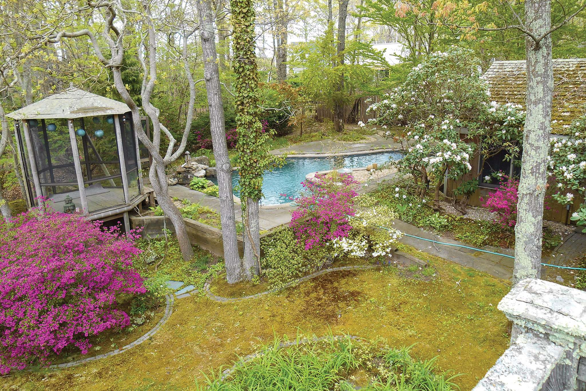 Single Family Home for Sale at Enchanting East Hampton Cottage 1 Squires Path, East Hampton, New York