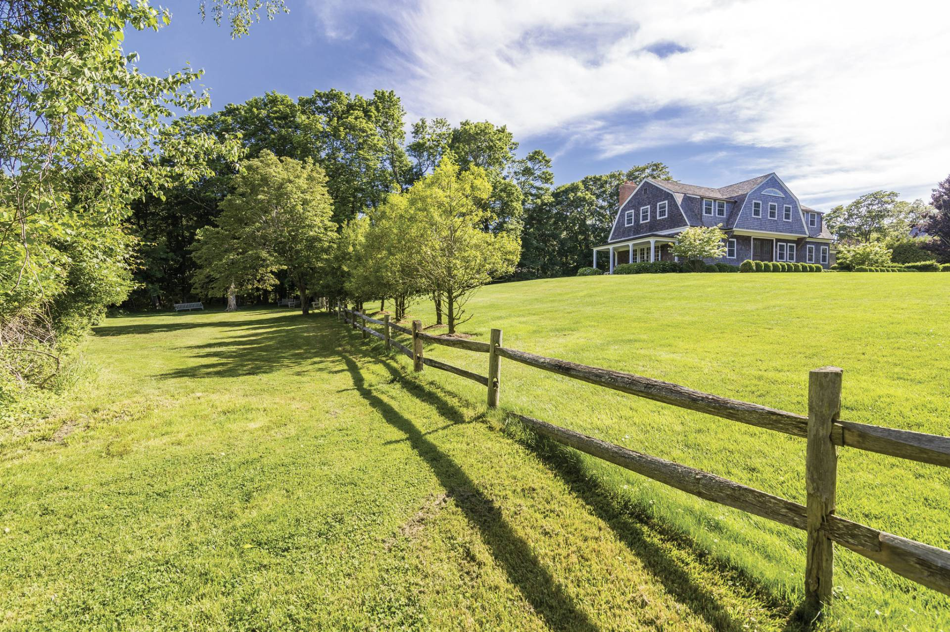 Additional photo for property listing at Huntting Lane 73 Huntting Lane,  East Hampton, New York