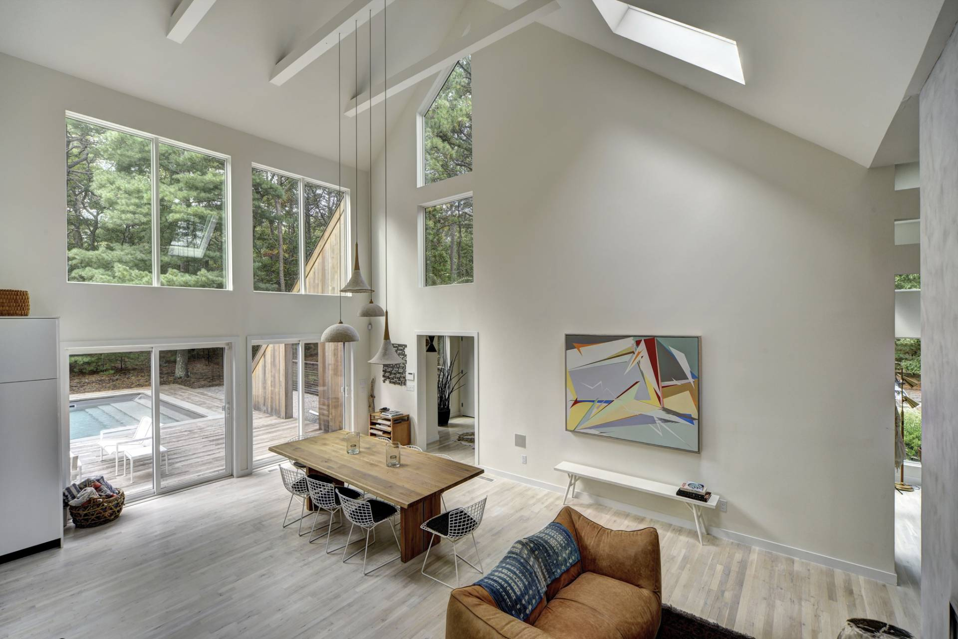 Additional photo for property listing at Stunning Contemporary  East Hampton, New York
