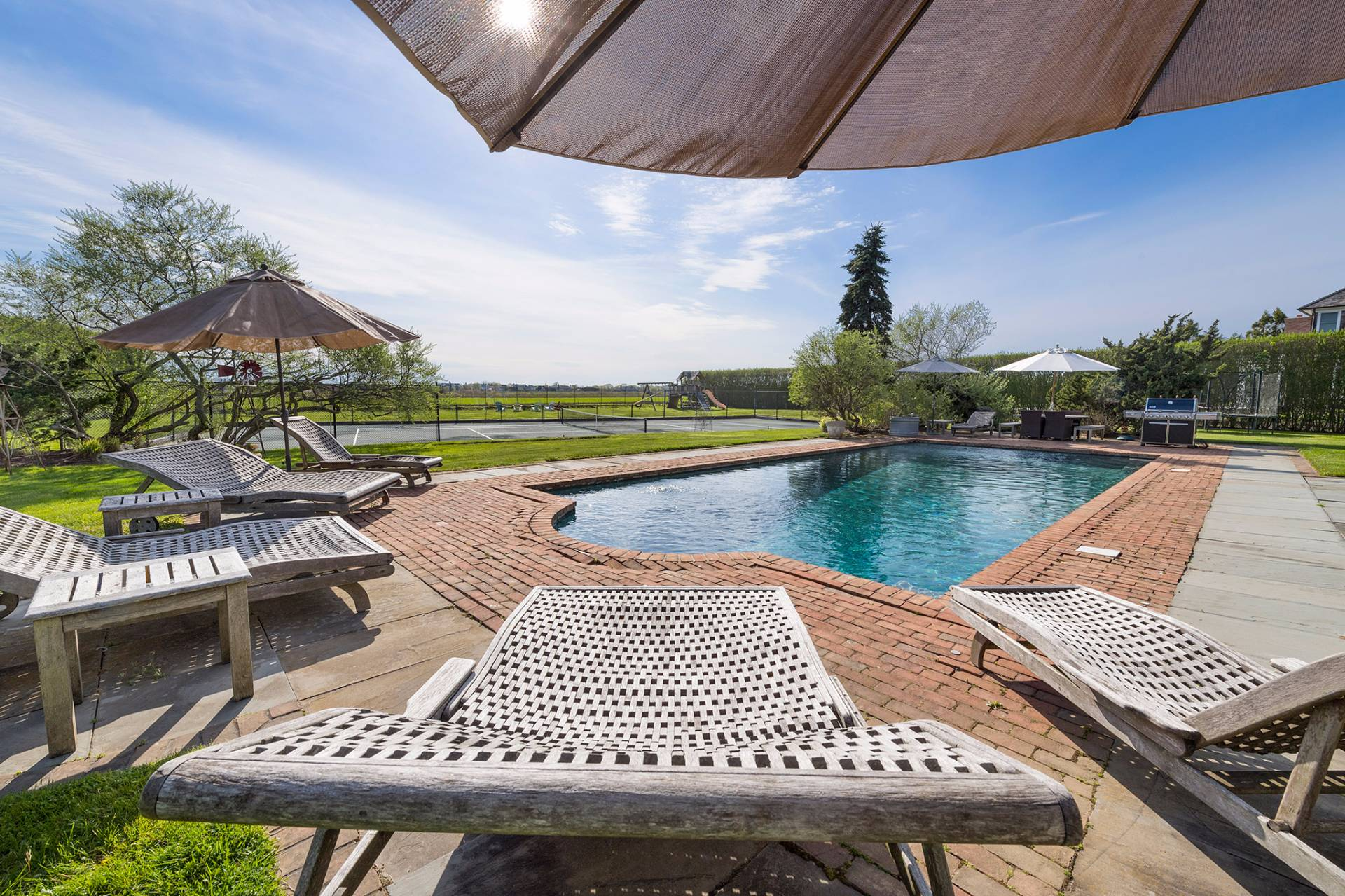 Additional photo for property listing at Luxury And Tennis In Sagaponack South  Sagaponack, Nueva York