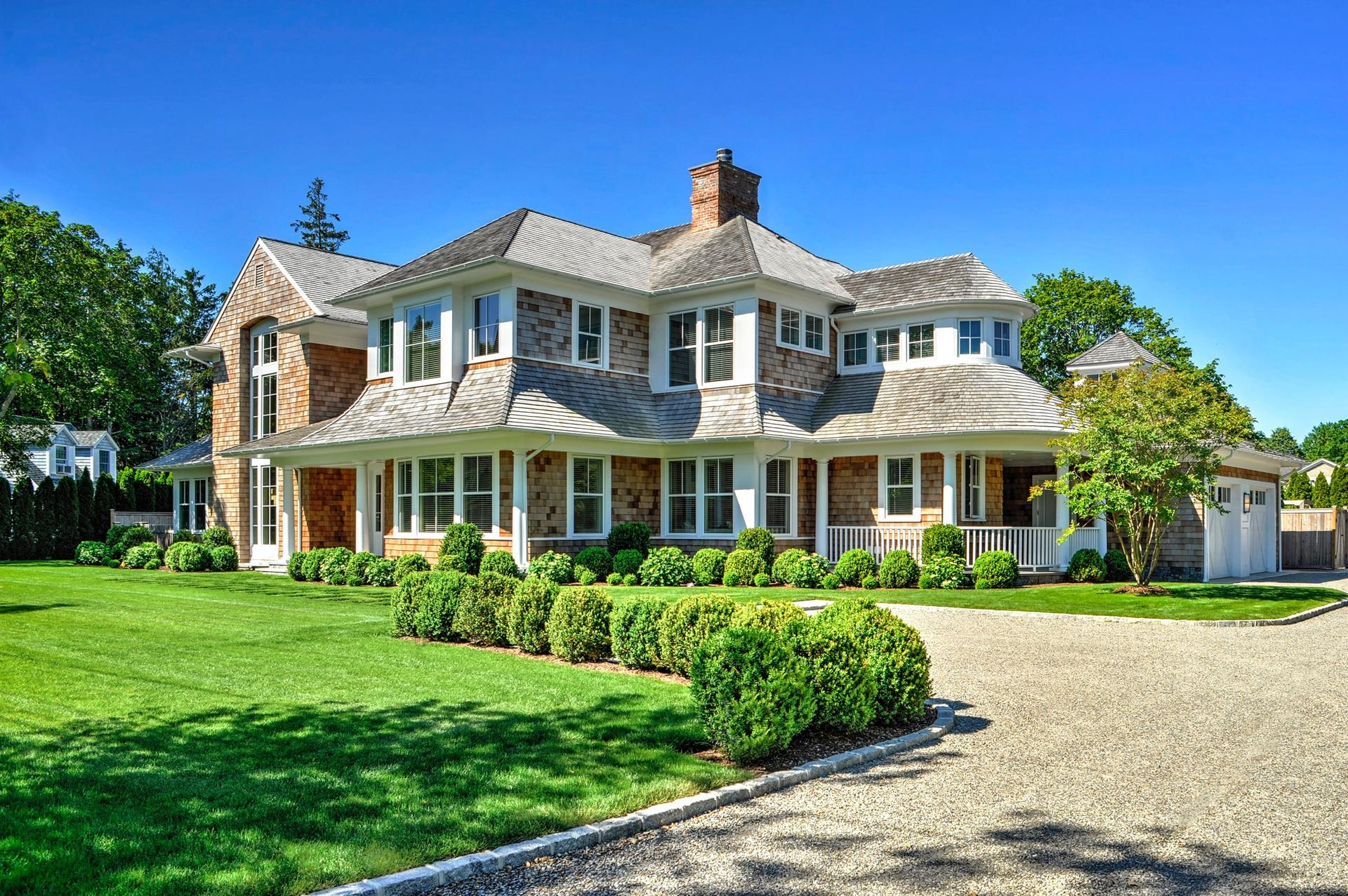 Additional photo for property listing at In The Heart Of Southampton Village  Southampton, New York