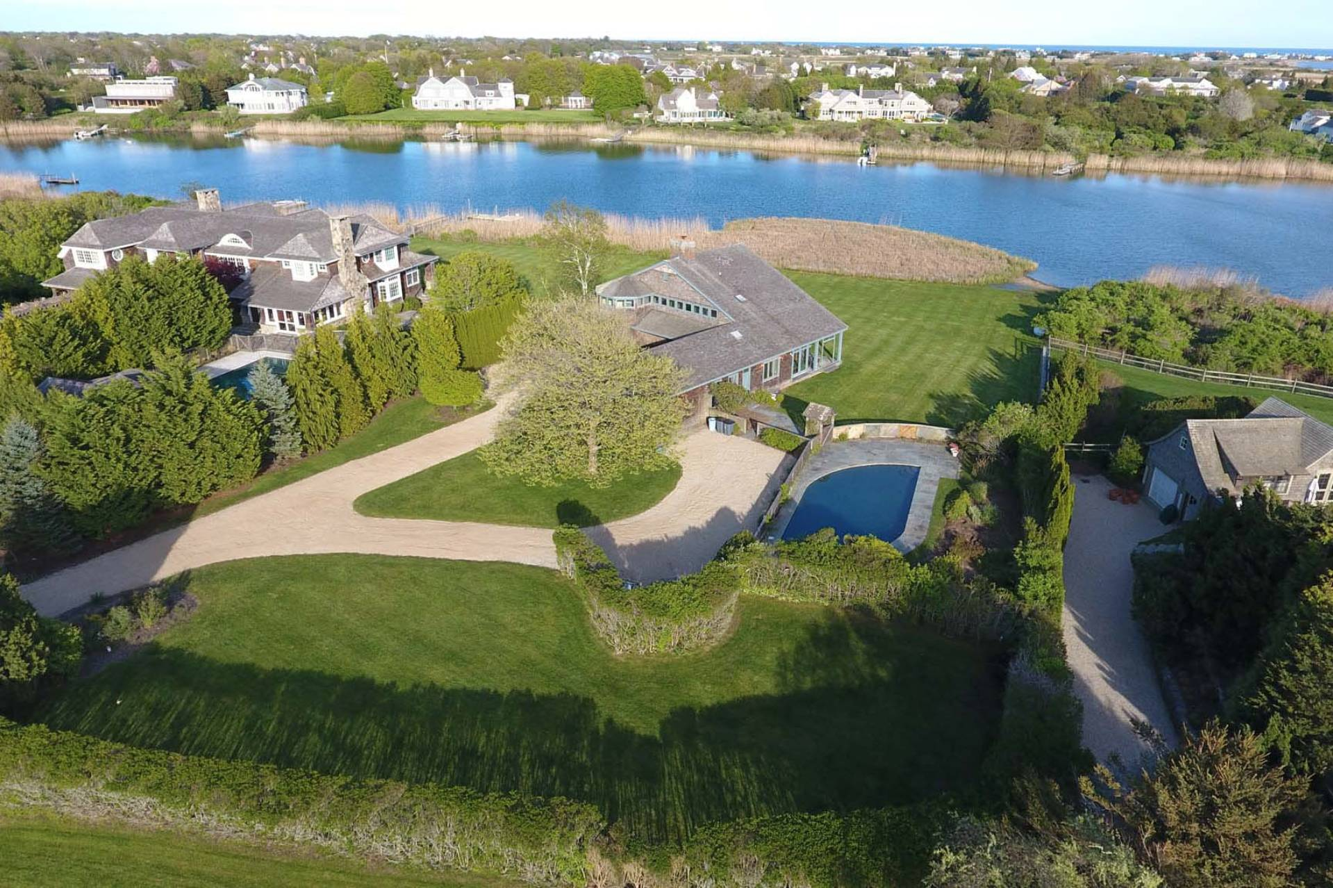 Additional photo for property listing at Spectacular Mecox Bay Location 113 Brennan's Moor,  Water Mill, 纽约州