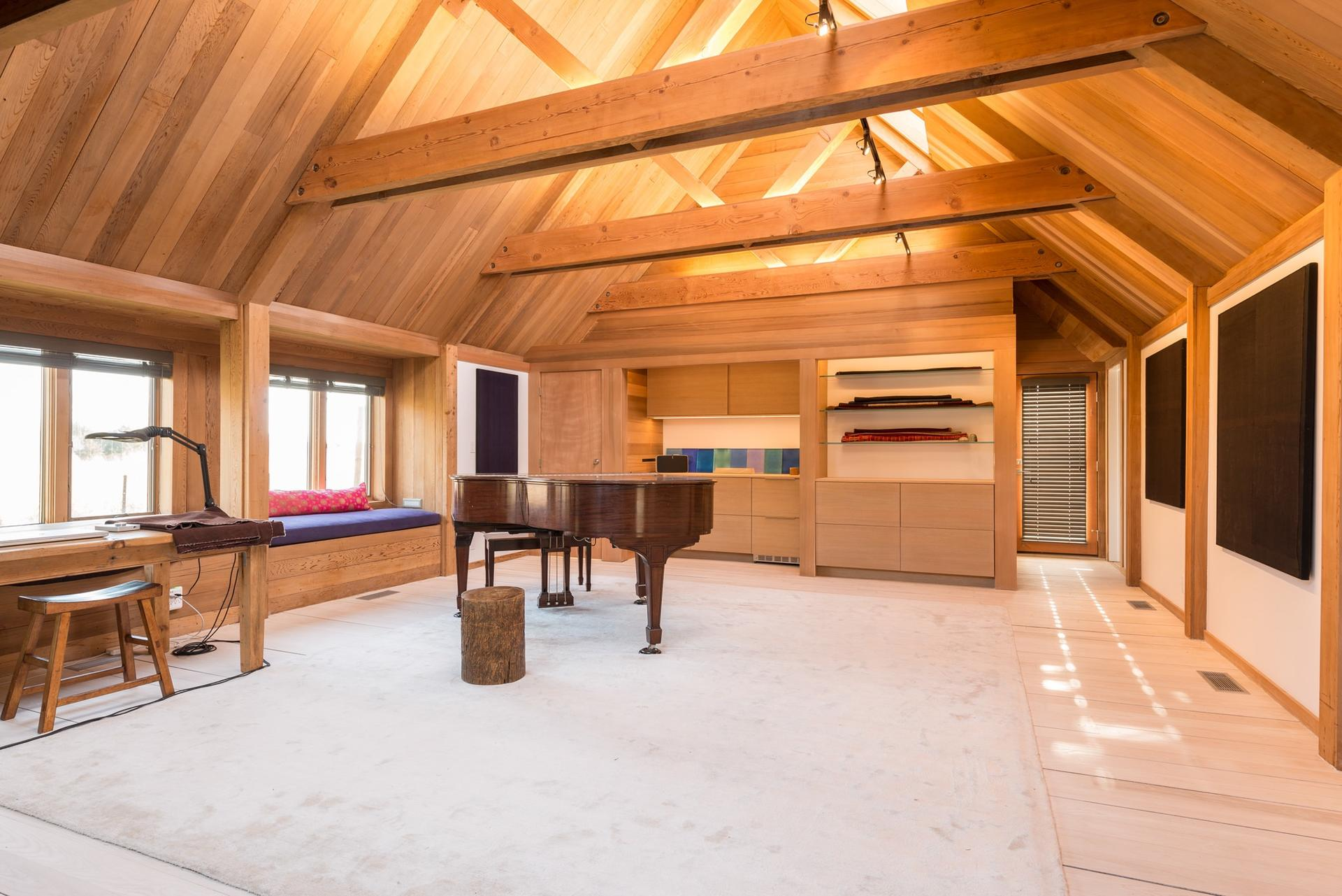 Additional photo for property listing at Modern In The Heart Of Bridgehampton  Bridgehampton, Nueva York