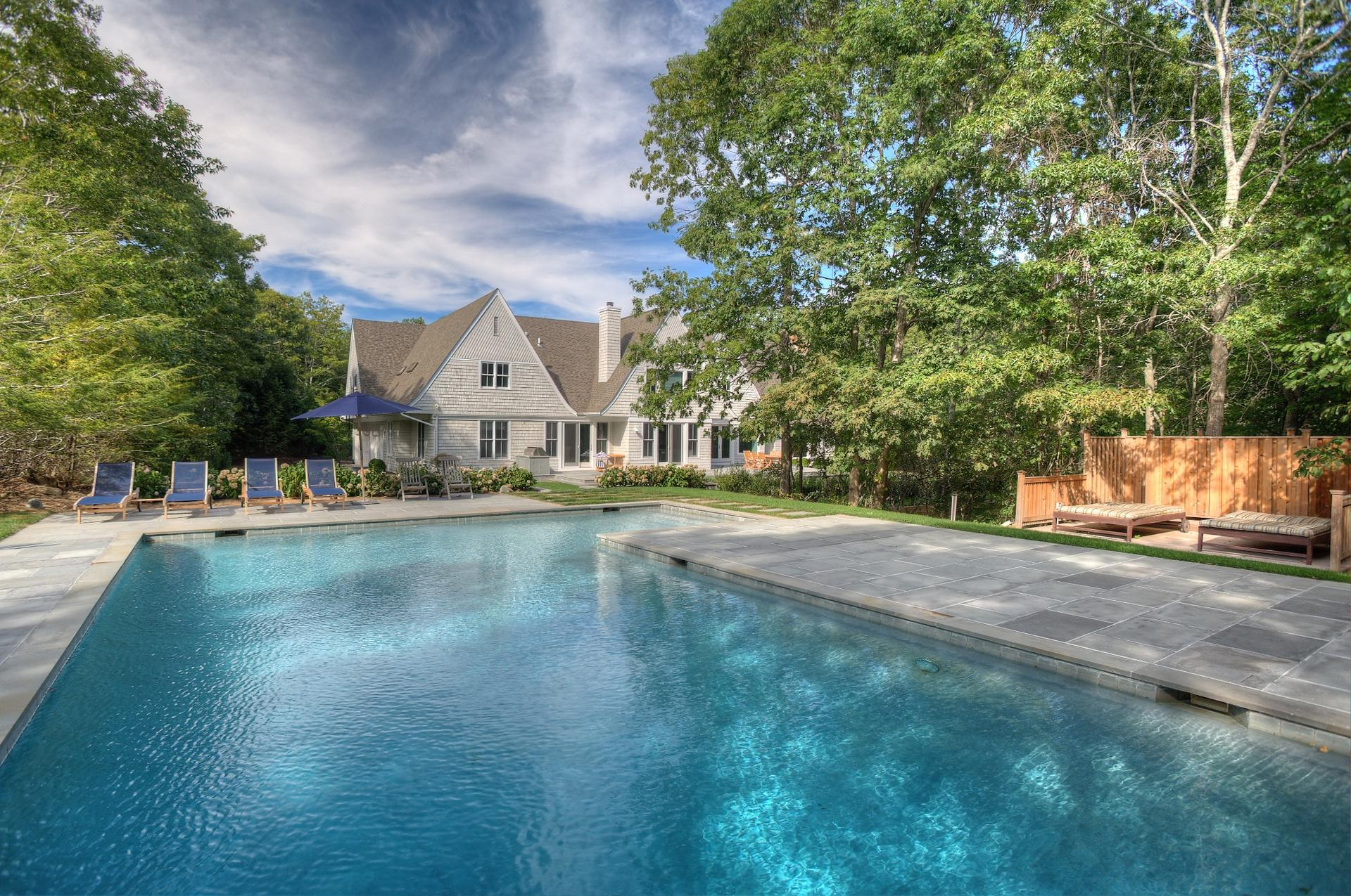 Additional photo for property listing at Newly Renovated With Pool And Tennis  Bridgehampton, Nueva York