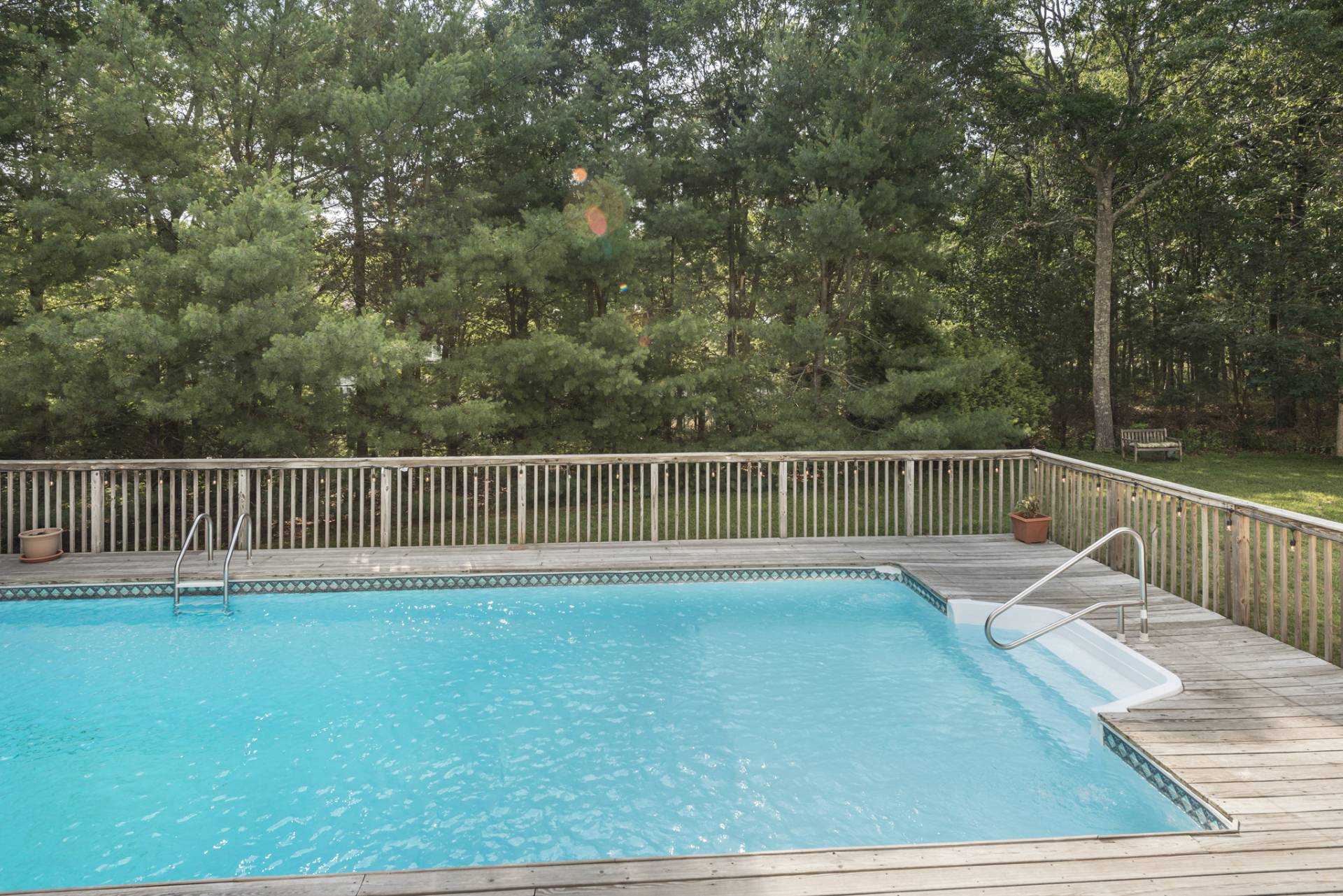 Additional photo for property listing at Bright Home With A Pool  East Quogue, Nueva York