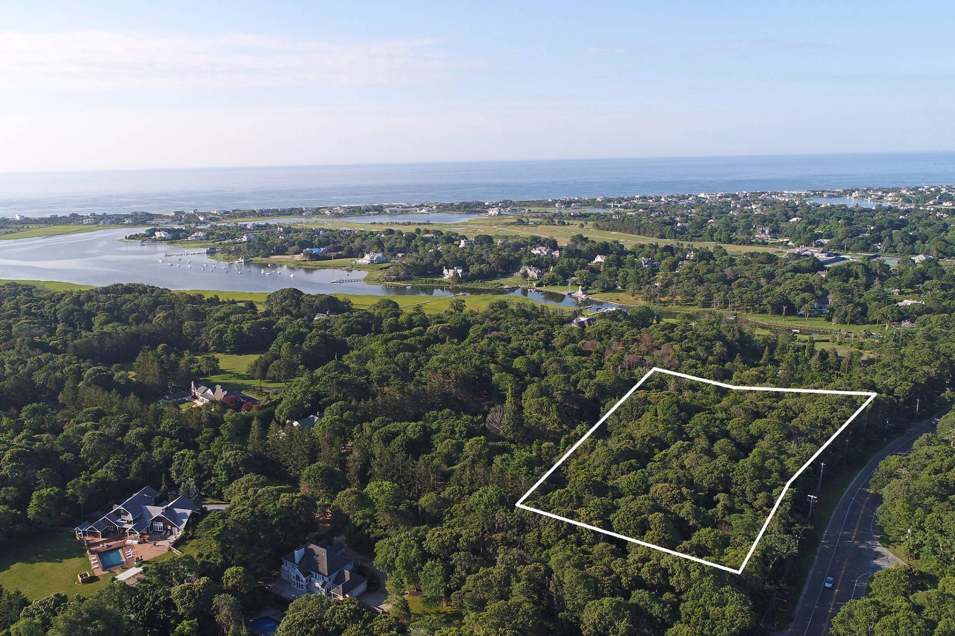 土地 为 销售 在 Prime Building Lot On Premium Street 2 Penniman Point Road, Quogue, 纽约州