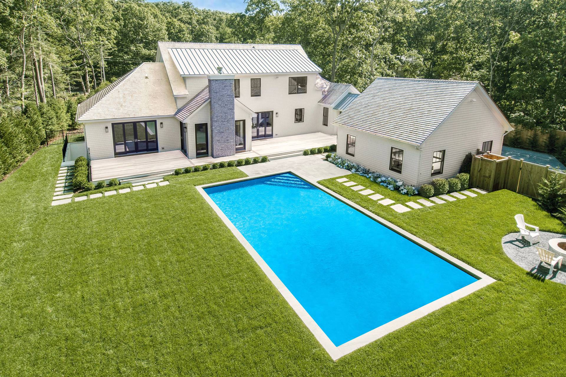 Single Family Home for Sale at Luxury New Construction 9 Cattalo Circle, East Hampton, New York