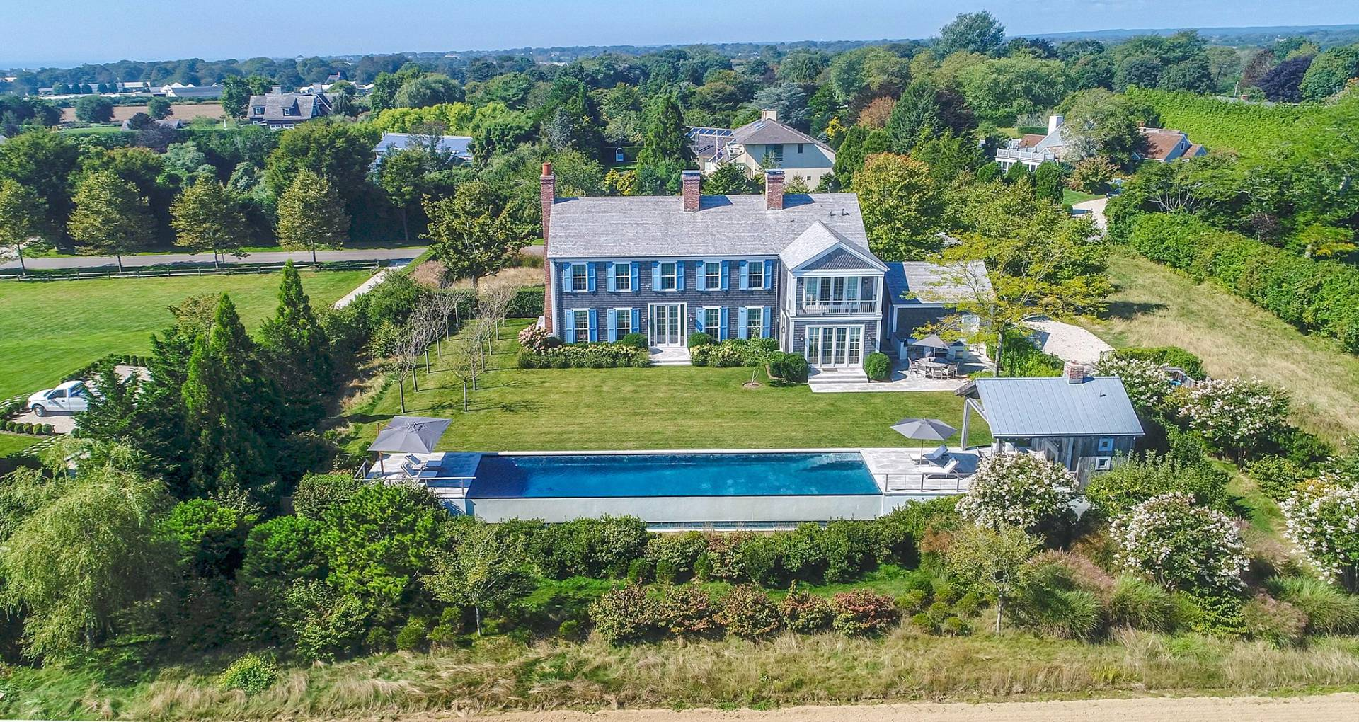 Casa Unifamiliar por un Venta en Custom Traditional Overlooking Reserve 53 Fairfield Pond Lane, Sagaponack, Nueva York
