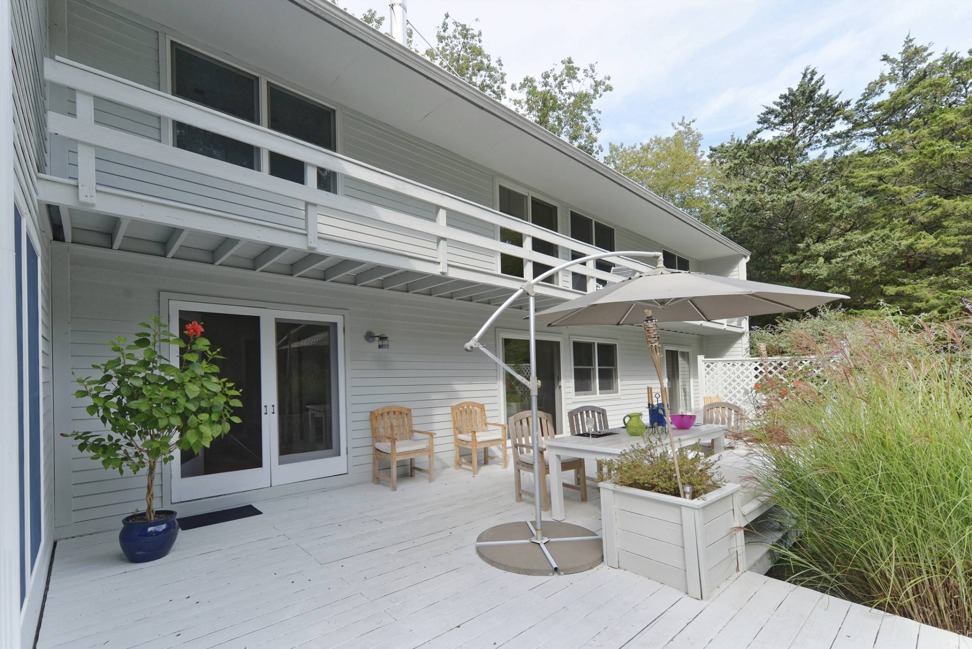 Additional photo for property listing at Shelter Island European Country Modern With Pool 30 Baldwin Road,  Shelter Island, New York