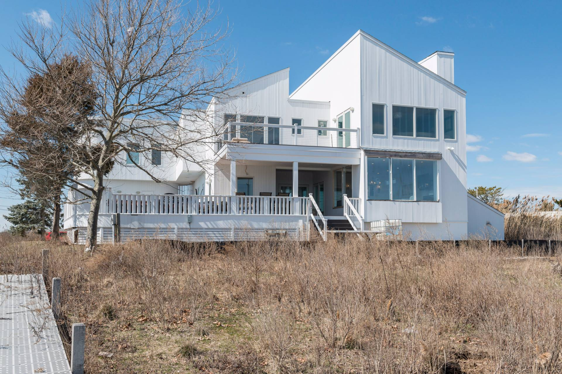 Additional photo for property listing at Remsenberg Waterfront  Remsenburg, New York