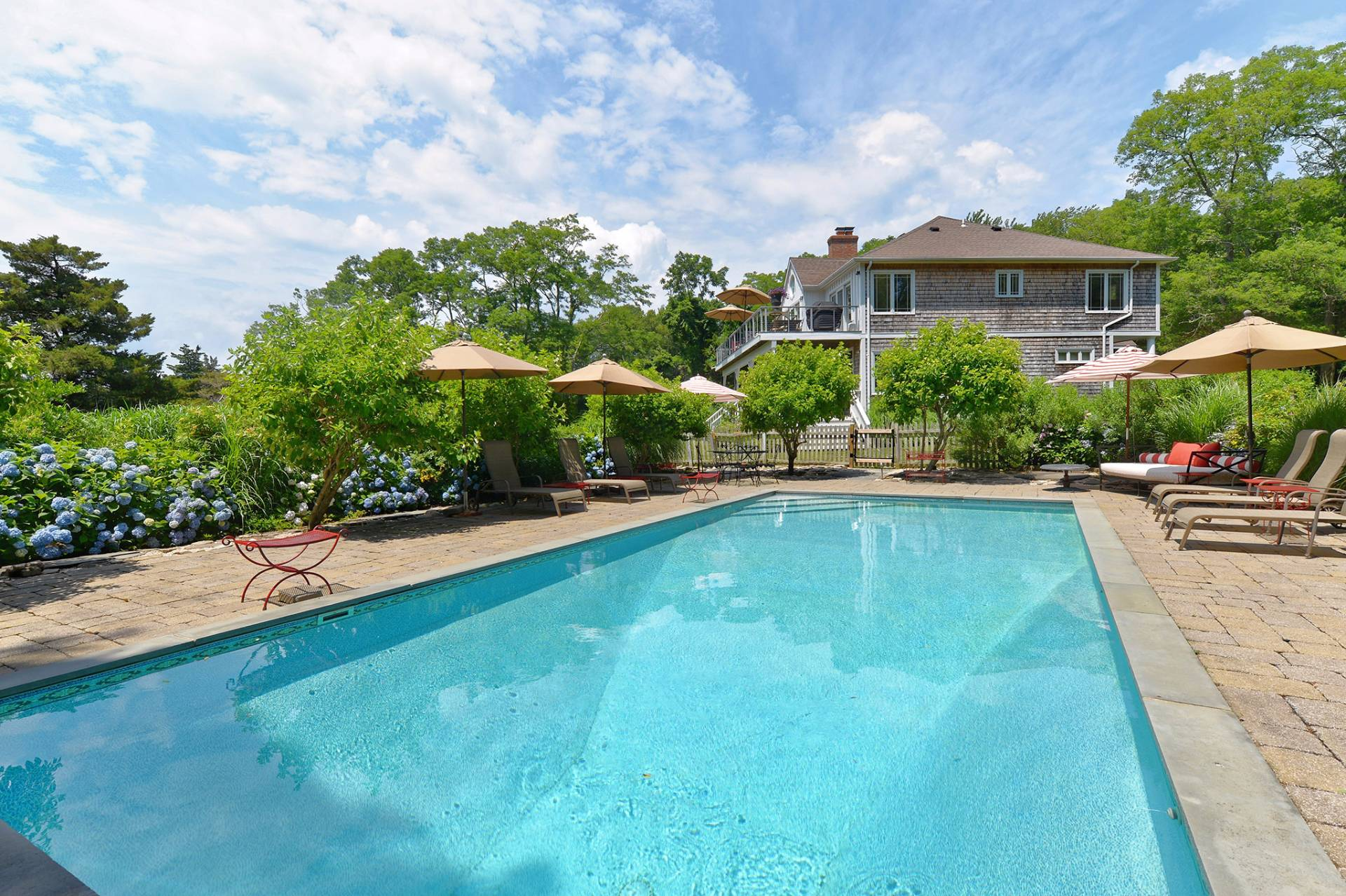 Additional photo for property listing at Shelter Island Waterfront Oasis With Dock And Pool 9 North Menantic Road,  Shelter Island, New York