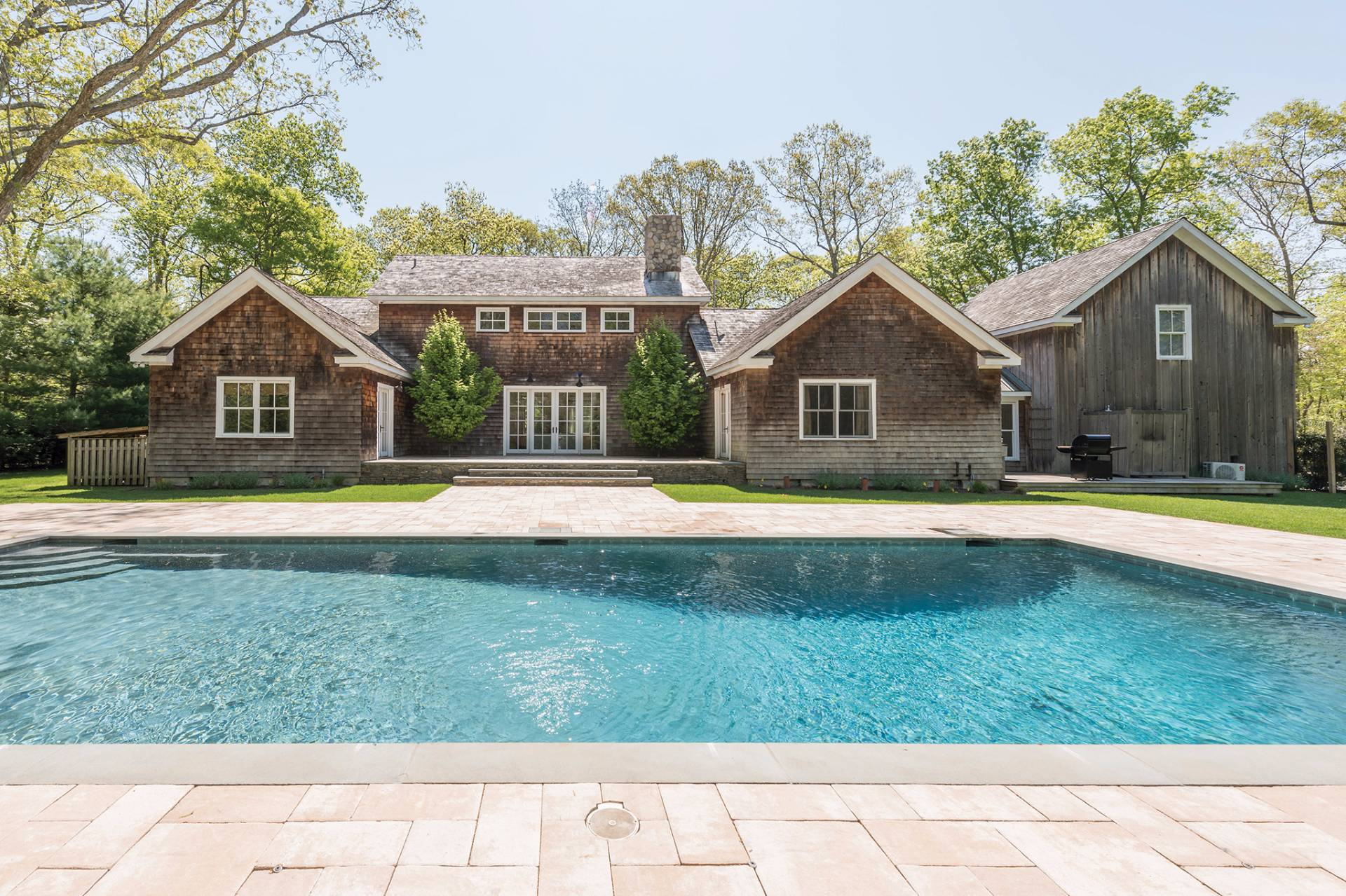 Single Family Home for Sale at Gracious Home On 1.9+/- Acres 2 Great Oak Way, East Hampton, New York