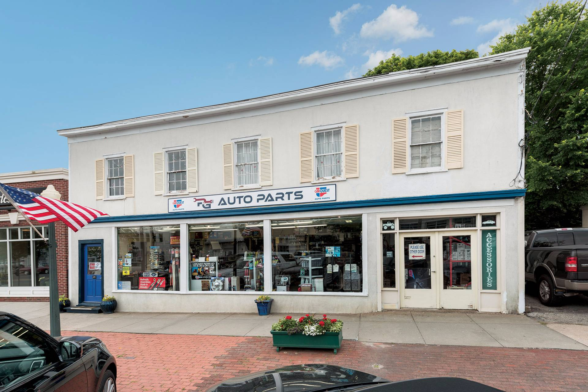 Commercial for Sale at Southampton Village- Investment Opportunity 26 Hill Street, Southampton, New York
