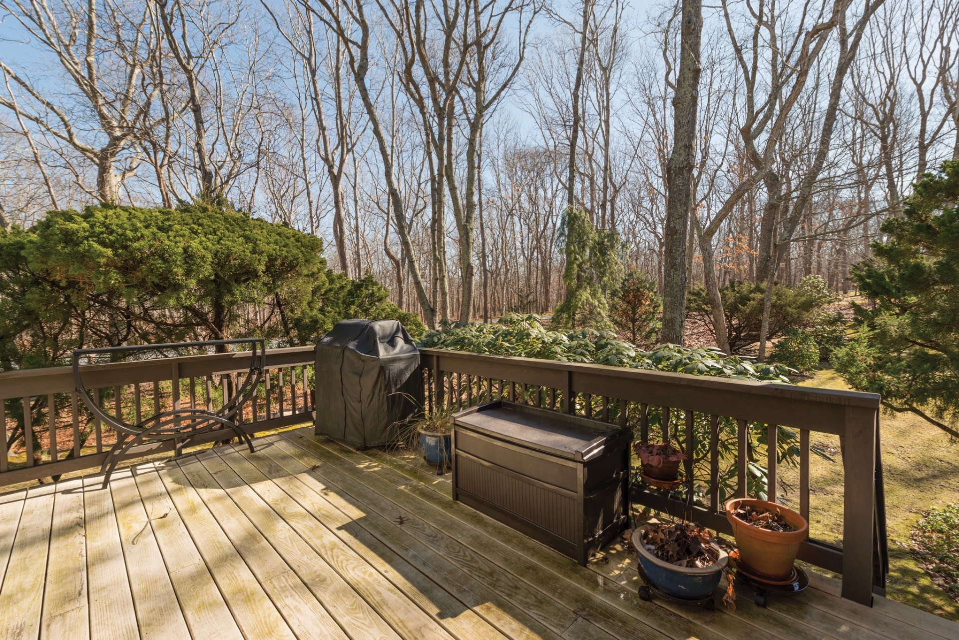 Additional photo for property listing at Lovely Treescape Rental  East Hampton, New York