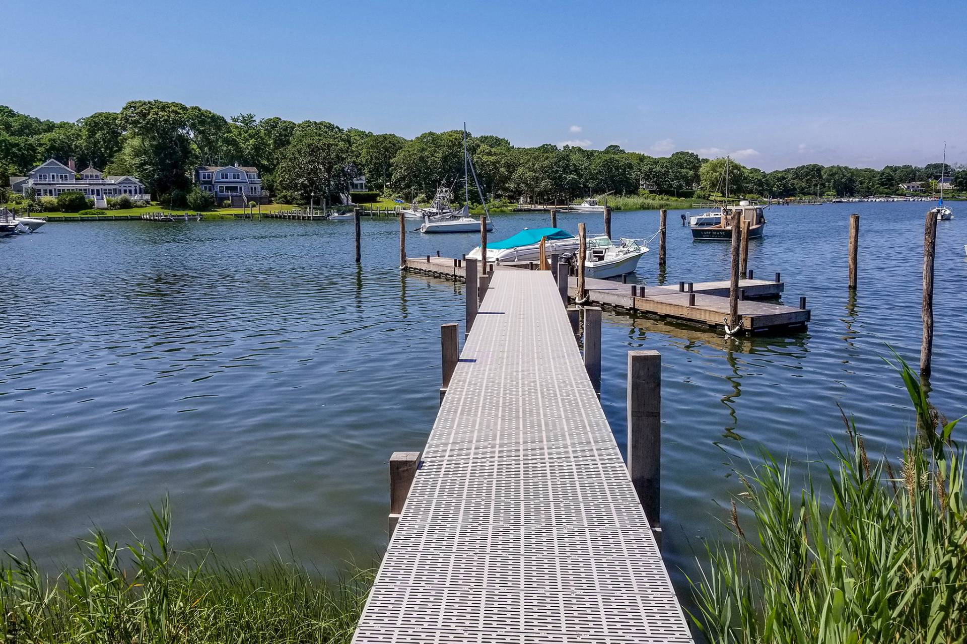 Additional photo for property listing at Wonderful Wooley Pond  Southampton, New York