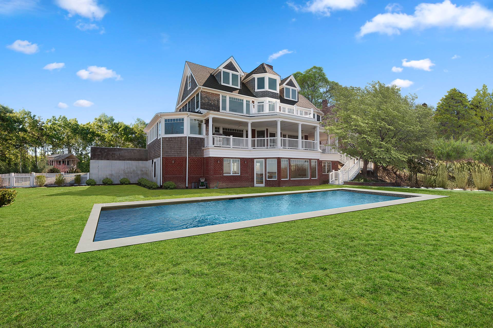 Additional photo for property listing at Iconic 1884 Shelter Island Heights Seacoast Estate 22 Prospect Avenue,  Shelter Island, New York