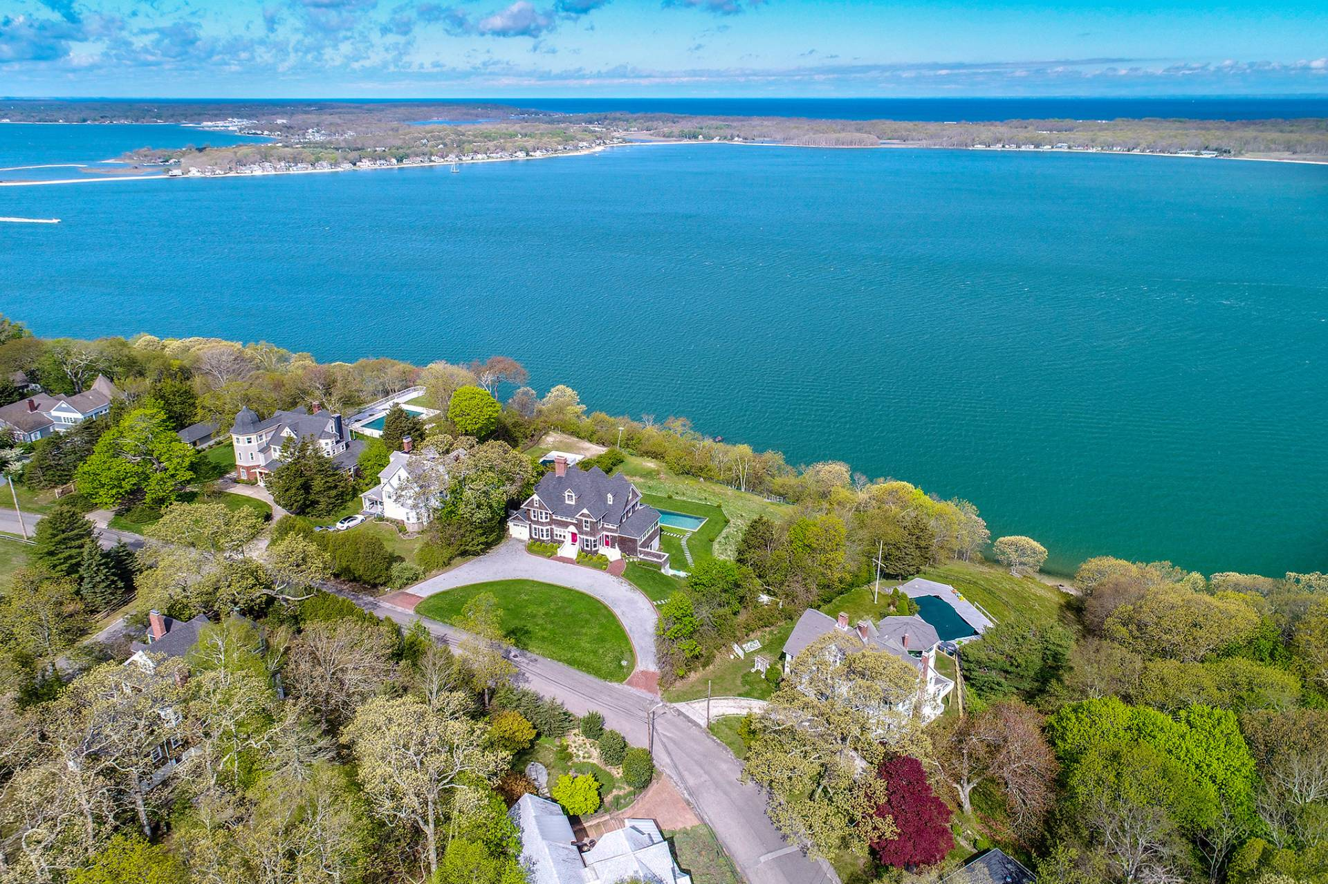 独户住宅 为 销售 在 Iconic 1884 Shelter Island Heights Seacoast Estate 22 Prospect Avenue, 谢尔顿岛, 纽约州