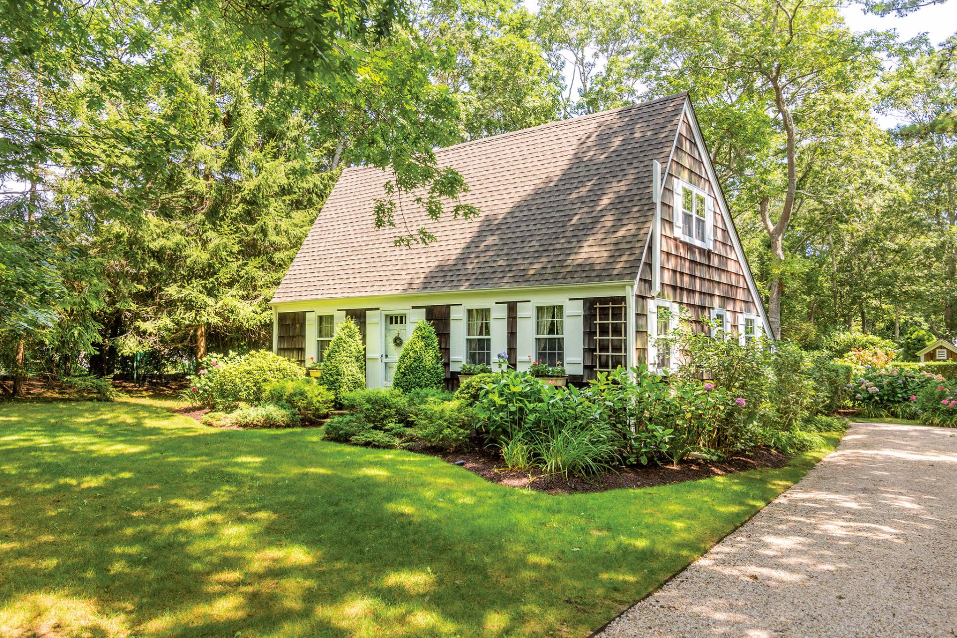 Single Family Home for Sale at Storybook Cottage In Wainscott South 6 Windsor Lane, Wainscott, New York