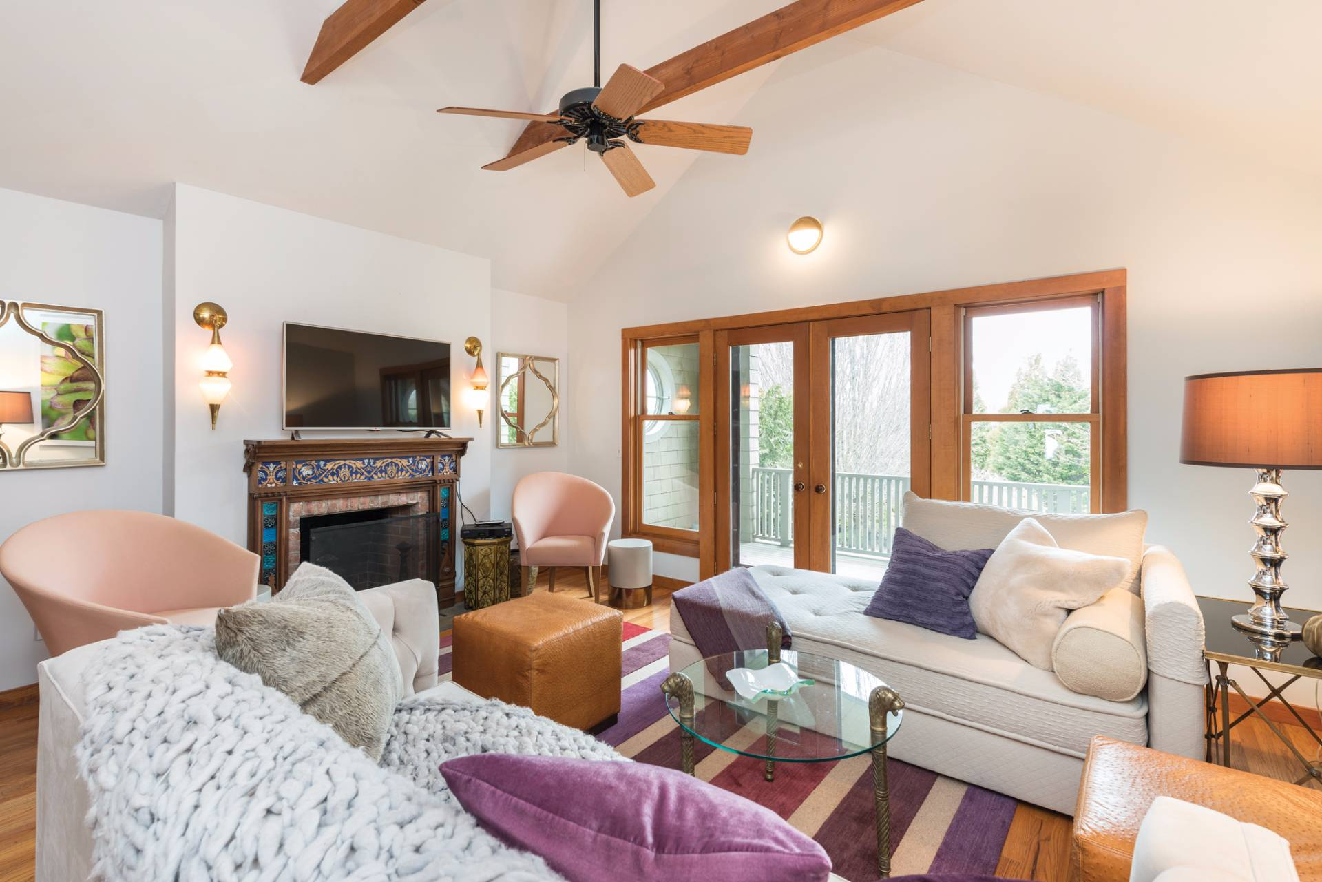 Additional photo for property listing at Great One Bedroom Apartment In The Heart Of Bridgehampton  Bridgehampton, Nueva York