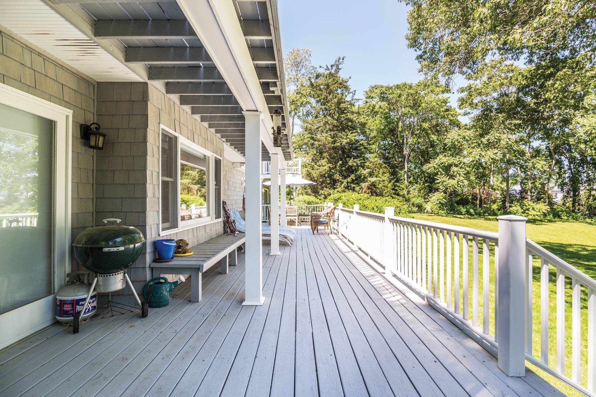 Additional photo for property listing at Five Bedroom Beach House In North Haven Manor 25 Bay View Drive,  Sag Harbor, New York
