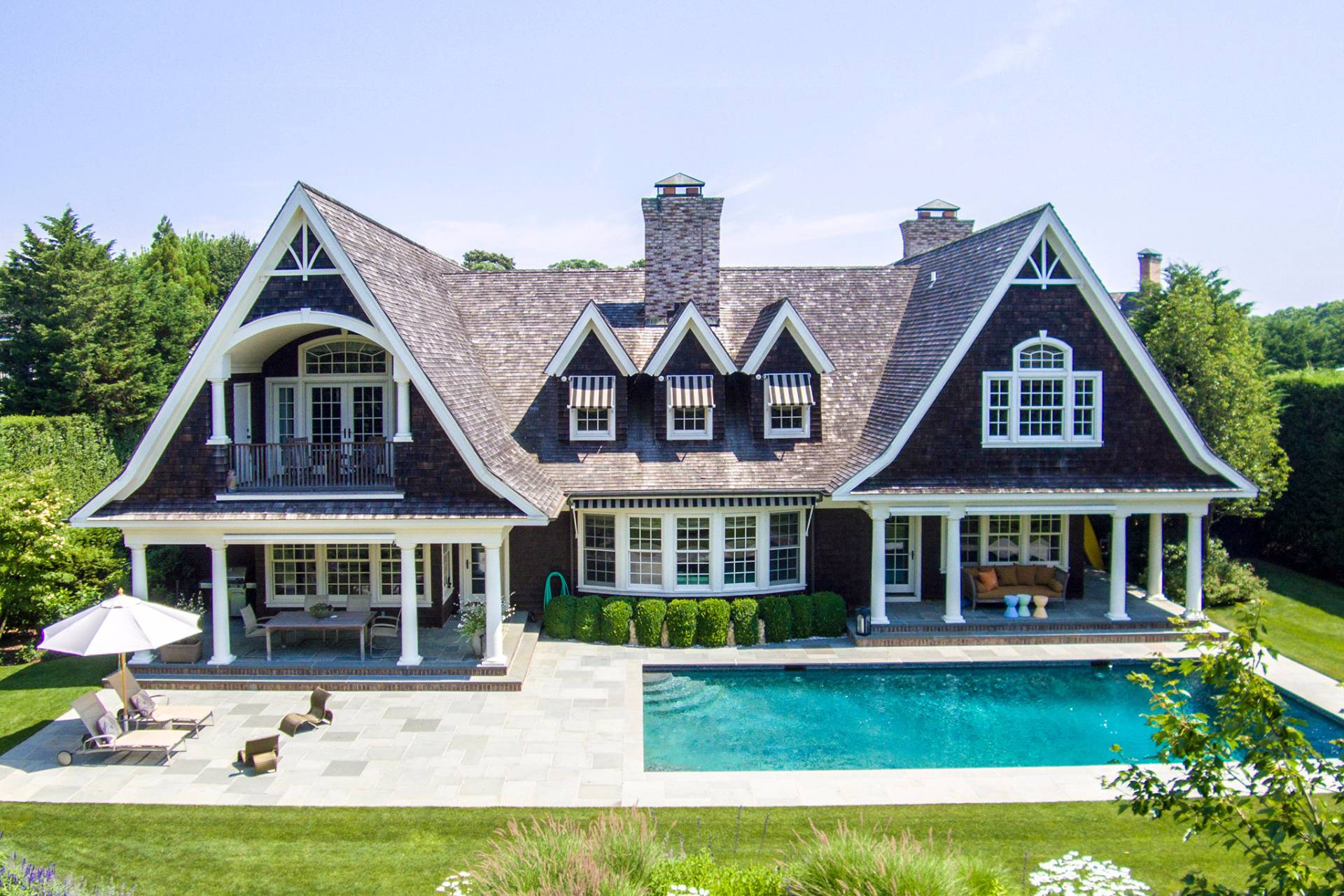 Additional photo for property listing at Bridgehampton Waterfront With A Dock 7 Kellis Way,  Bridgehampton, New York
